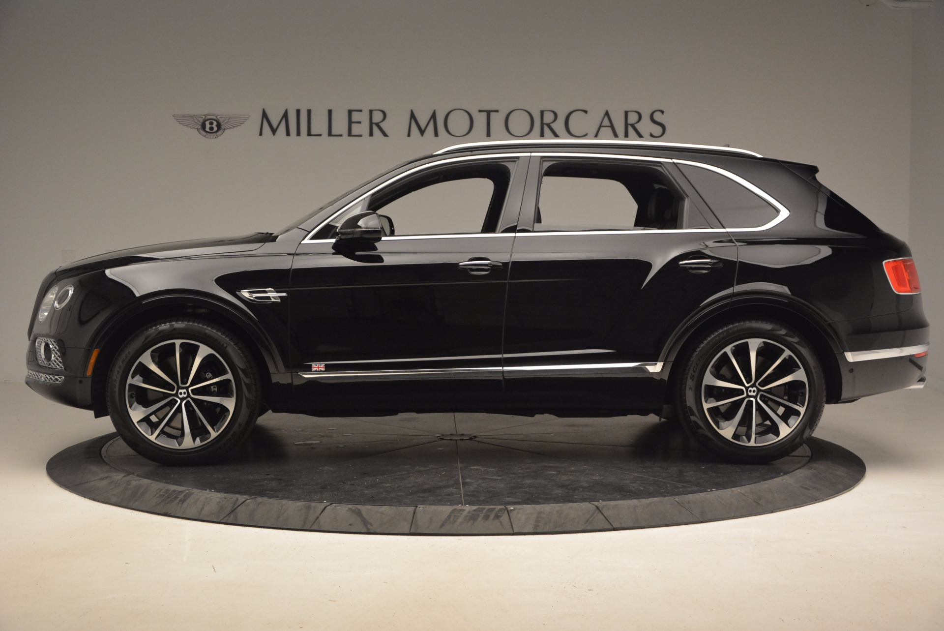 New 2017 Bentley Bentayga  For Sale In Greenwich, CT 1140_p4