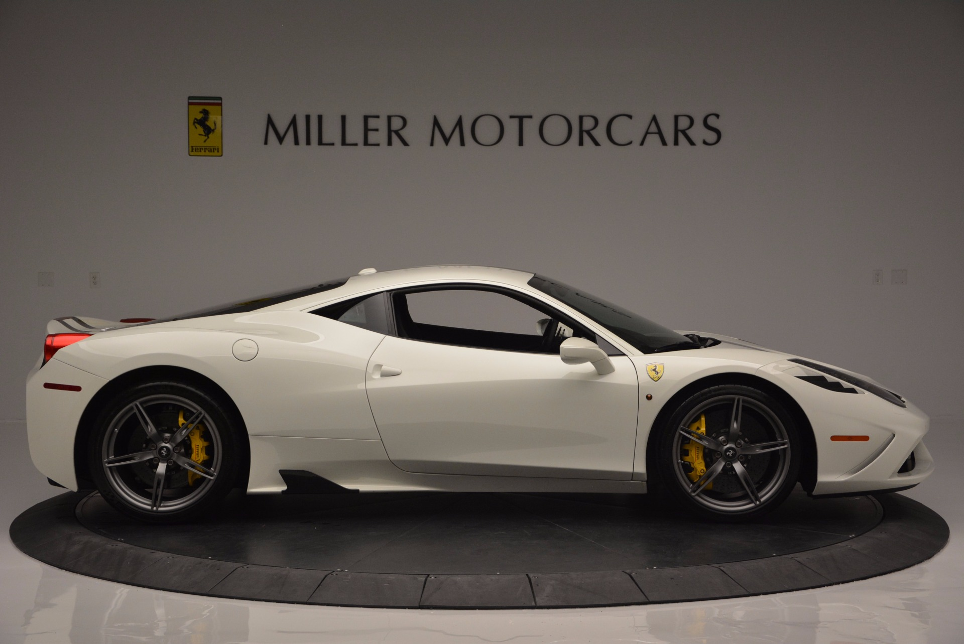 Used 2015 Ferrari 458 Speciale  For Sale In Greenwich, CT 1147_p10
