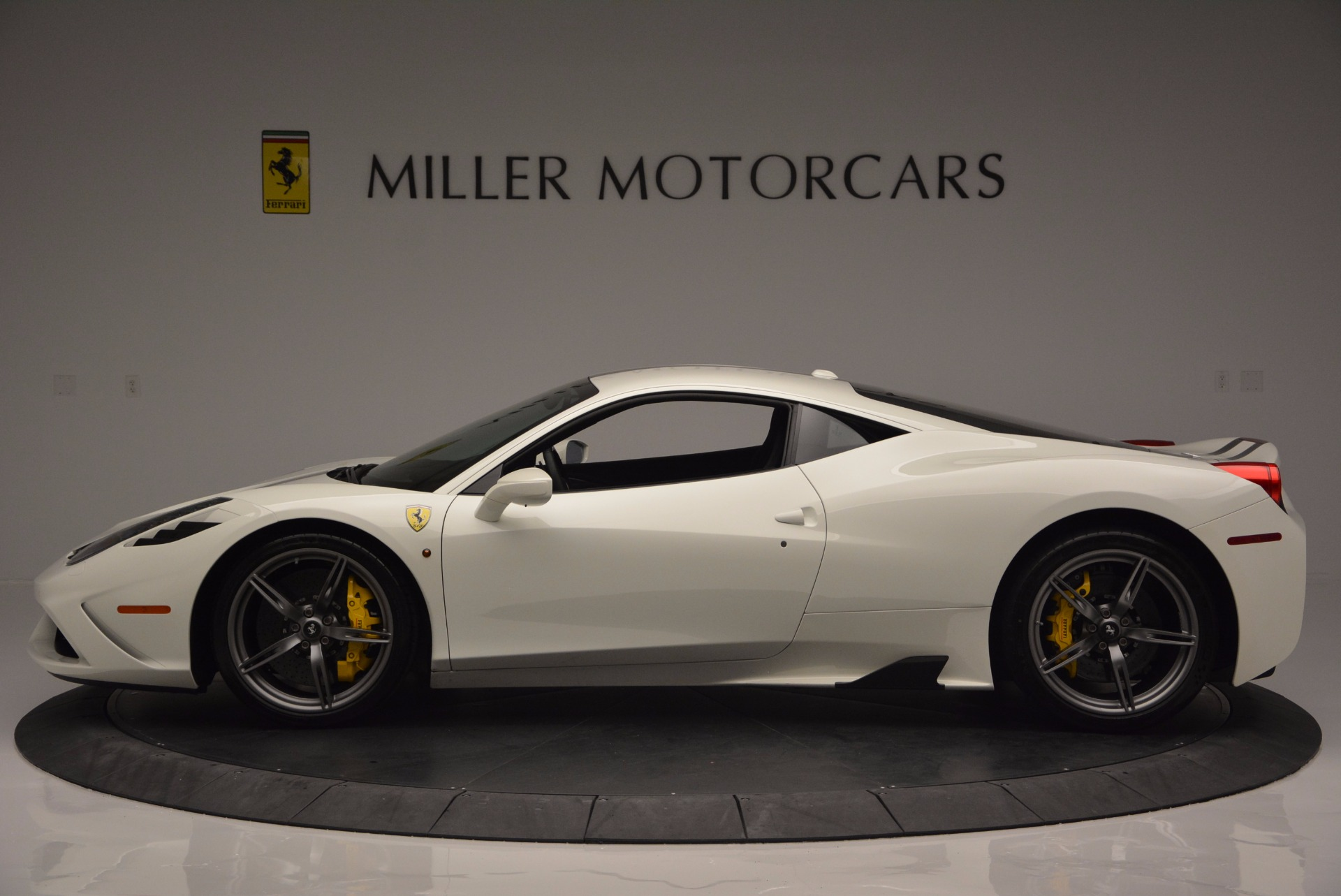 Used 2015 Ferrari 458 Speciale  For Sale In Greenwich, CT 1147_p3