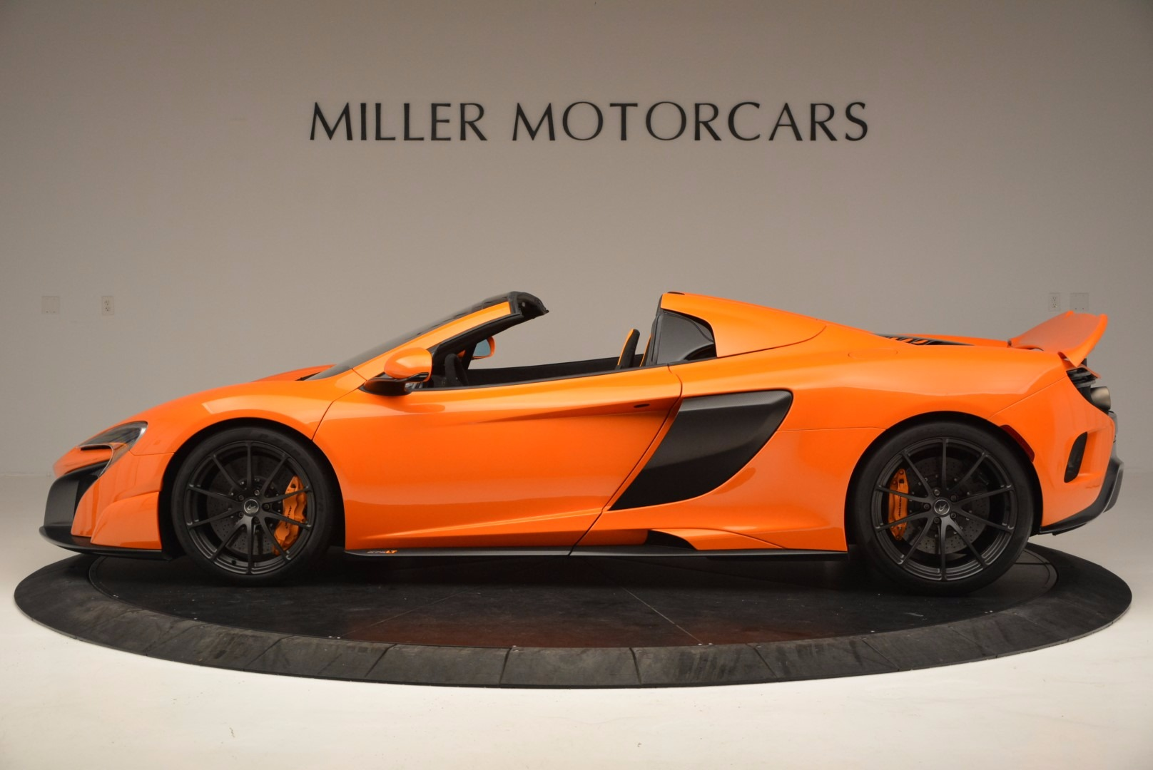 Used 2016 McLaren 675LT Spider Convertible For Sale In Greenwich, CT 1150_p3