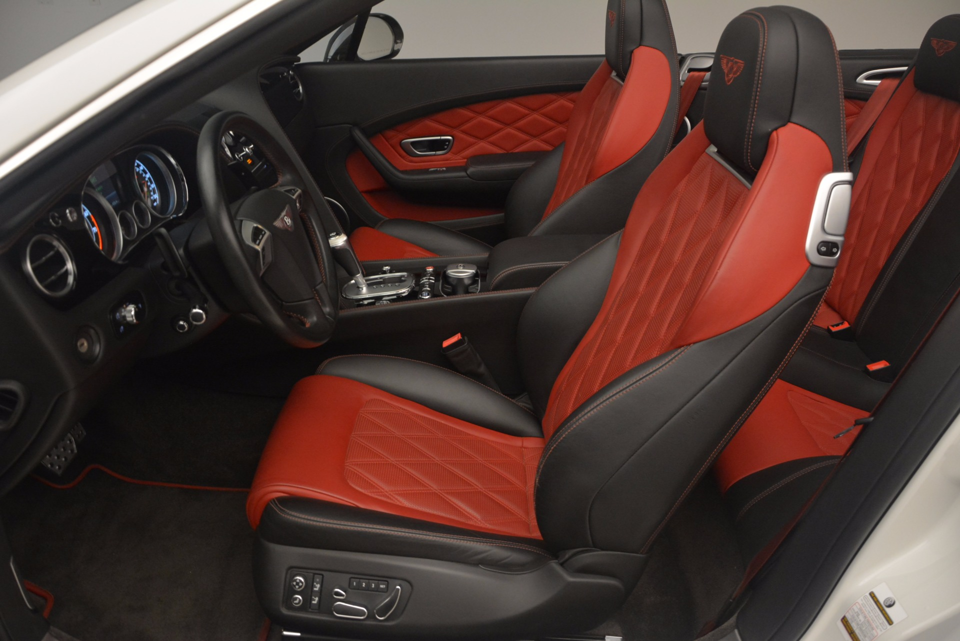 Used 2013 Bentley Continental GT V8 For Sale In Greenwich, CT 1174_p37