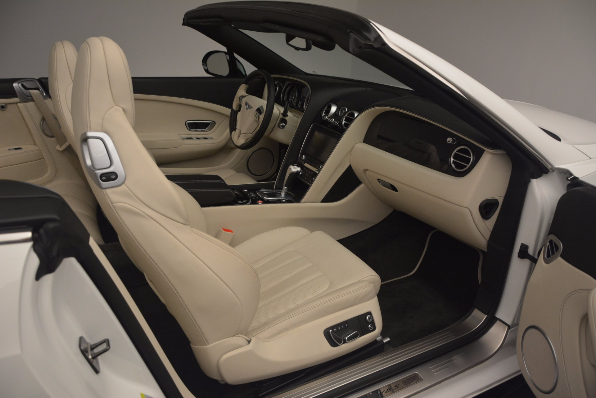 Used 2015 Bentley Continental GT V8 S For Sale In Greenwich, CT 1175_p51