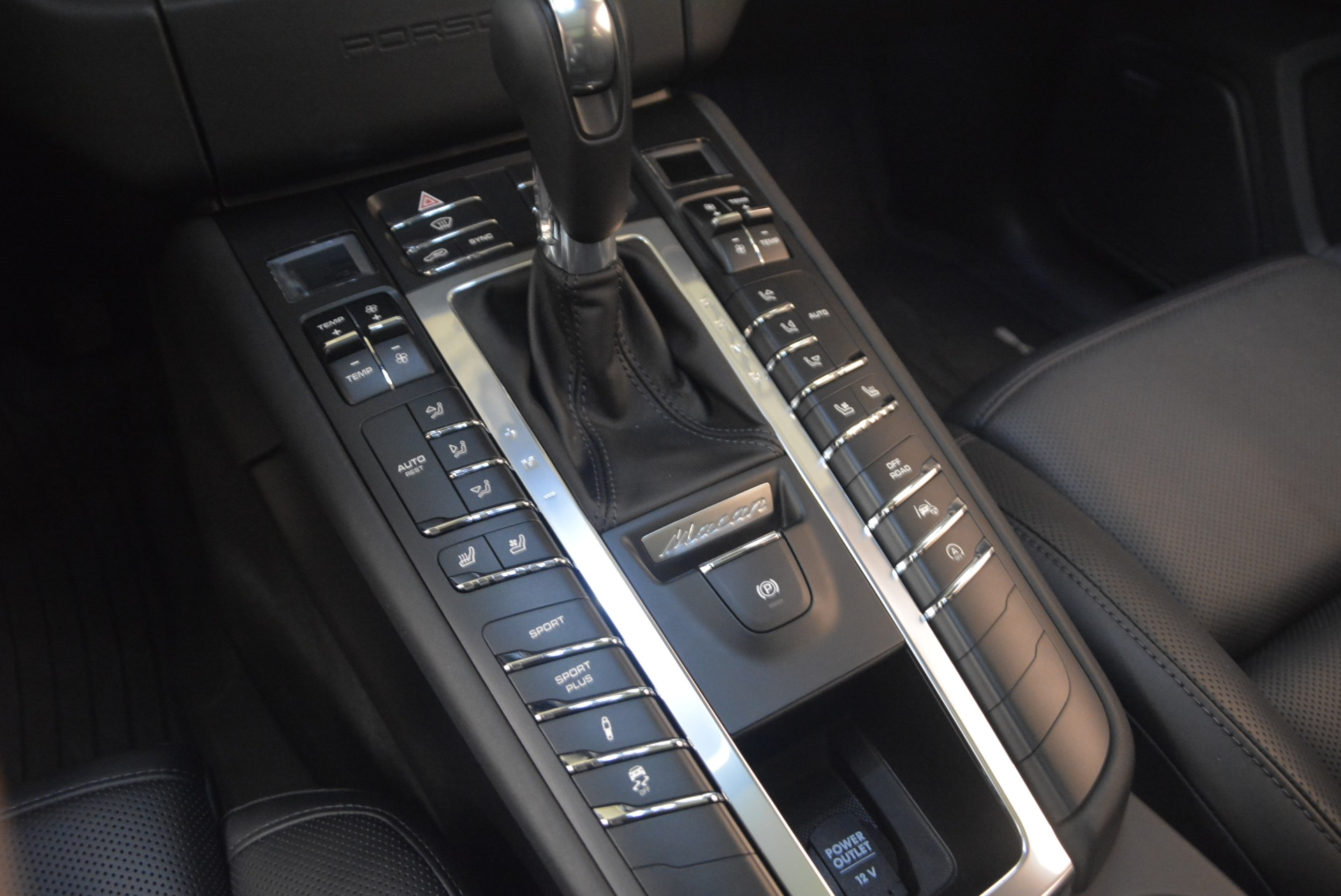 Used 2016 Porsche Macan Turbo For Sale In Greenwich, CT 1177_p20