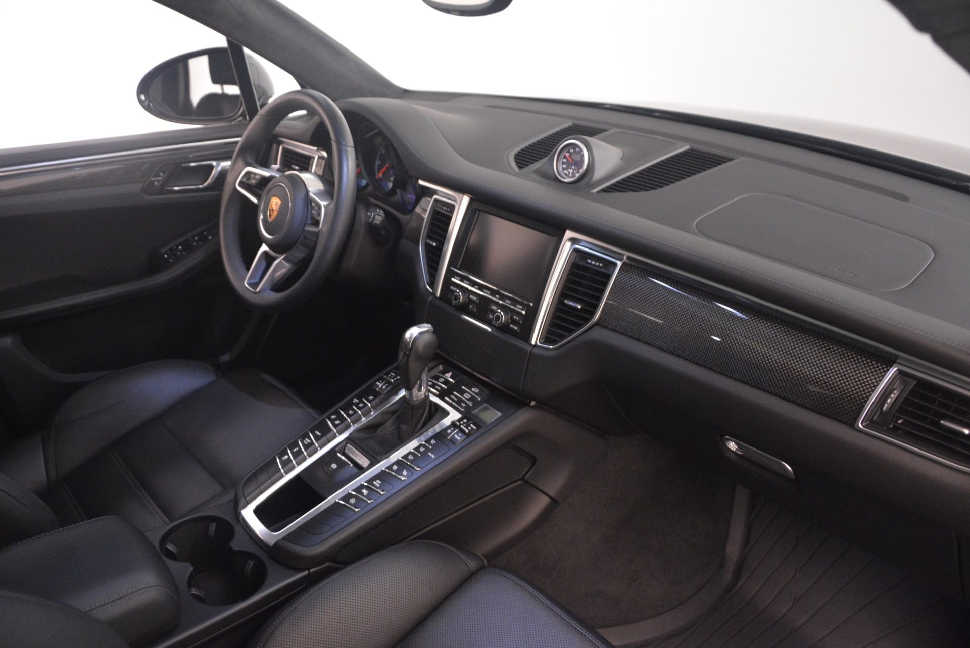 Used 2016 Porsche Macan Turbo For Sale In Greenwich, CT 1177_p21