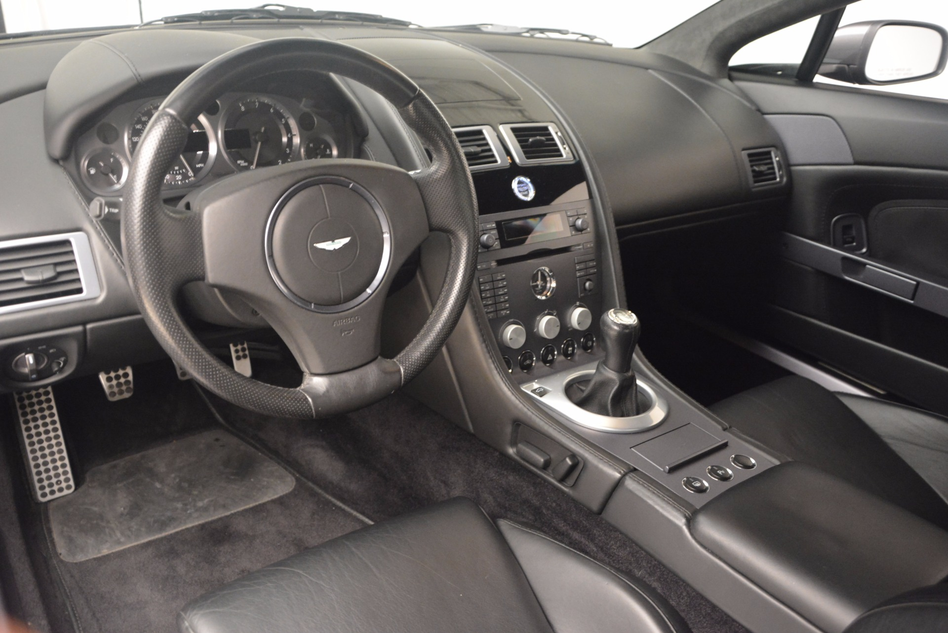 Used 2006 Aston Martin V8 Vantage Coupe  For Sale In Greenwich, CT 1180_p14