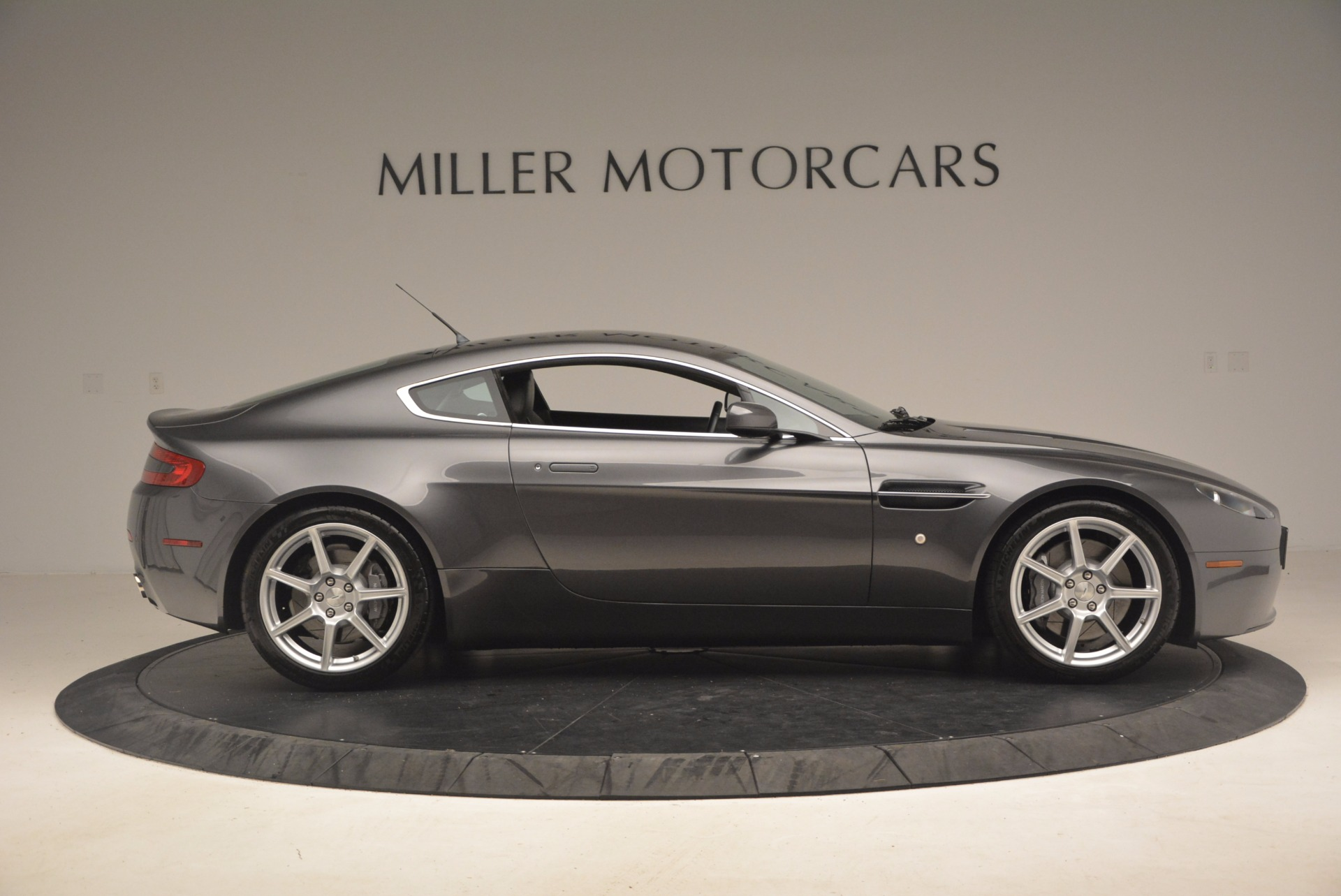 Used 2006 Aston Martin V8 Vantage Coupe  For Sale In Greenwich, CT 1180_p9