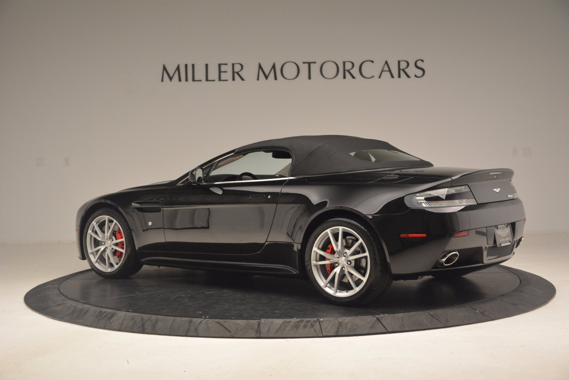 Used 2012 Aston Martin V8 Vantage S Roadster For Sale In Greenwich, CT 1181_p16