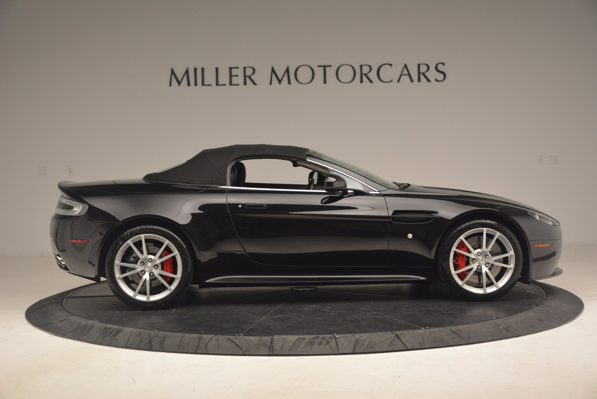 Used 2012 Aston Martin V8 Vantage S Roadster For Sale In Greenwich, CT 1181_p21