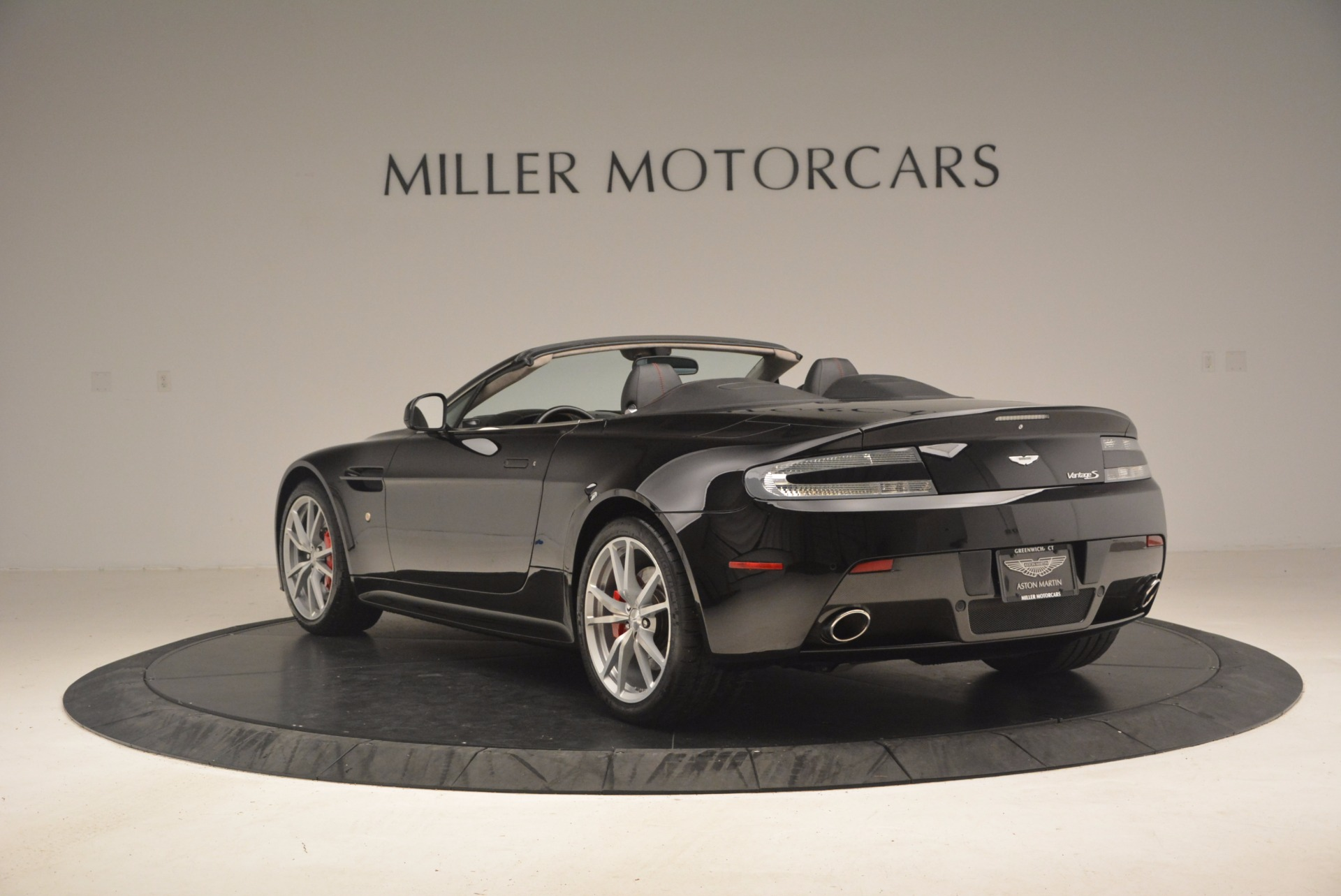 Used 2012 Aston Martin V8 Vantage S Roadster For Sale In Greenwich, CT 1181_p5