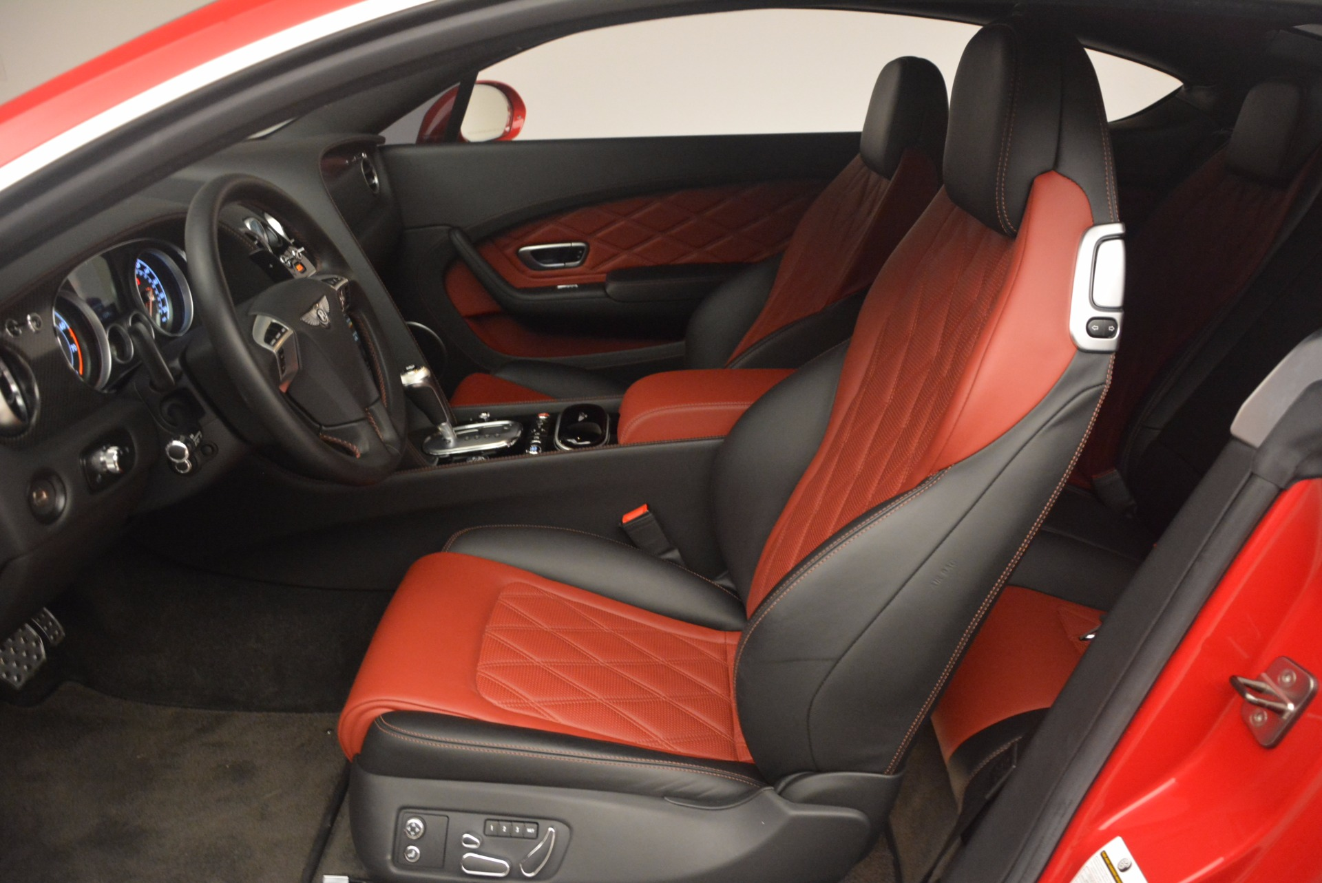 Used 2013 Bentley Continental GT V8 For Sale In Greenwich, CT 1185_p21