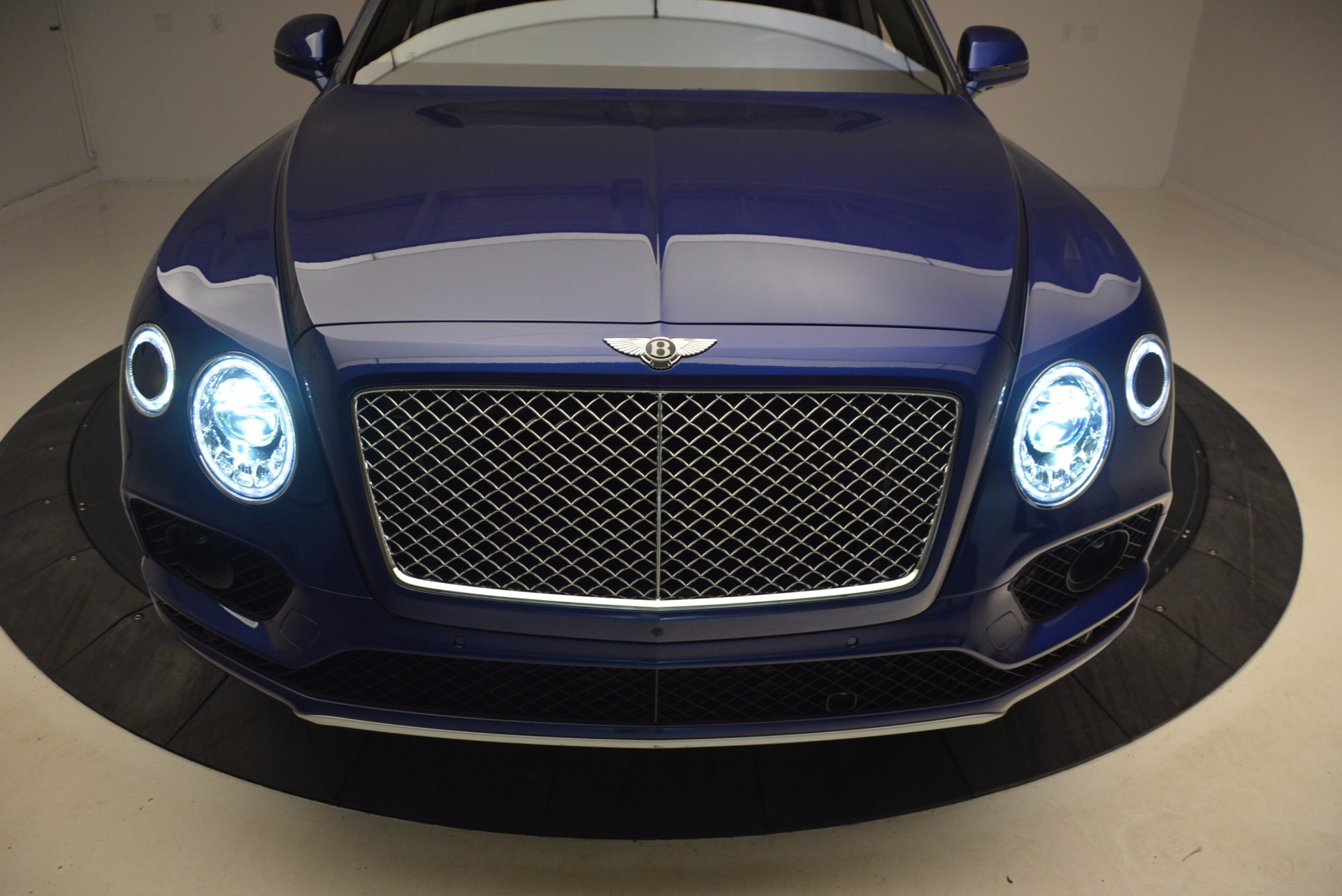 New 2017 Bentley Bentayga  For Sale In Greenwich, CT 1198_p17