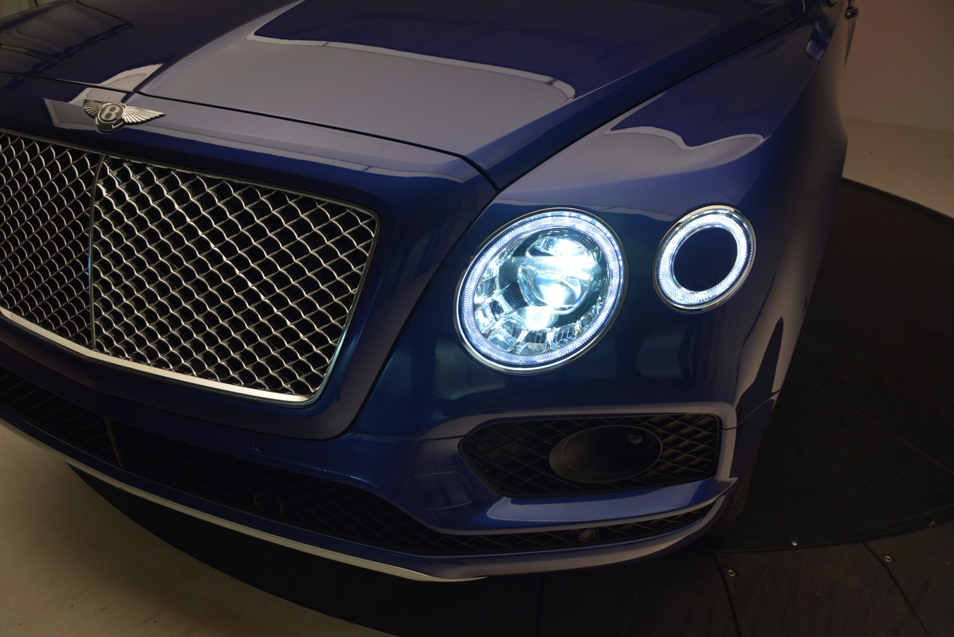 New 2017 Bentley Bentayga  For Sale In Greenwich, CT 1198_p18