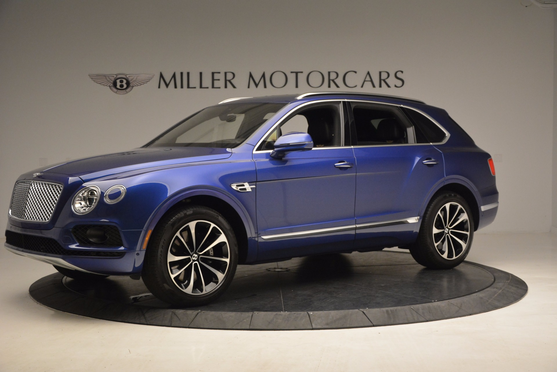 New 2017 Bentley Bentayga  For Sale In Greenwich, CT 1198_p2