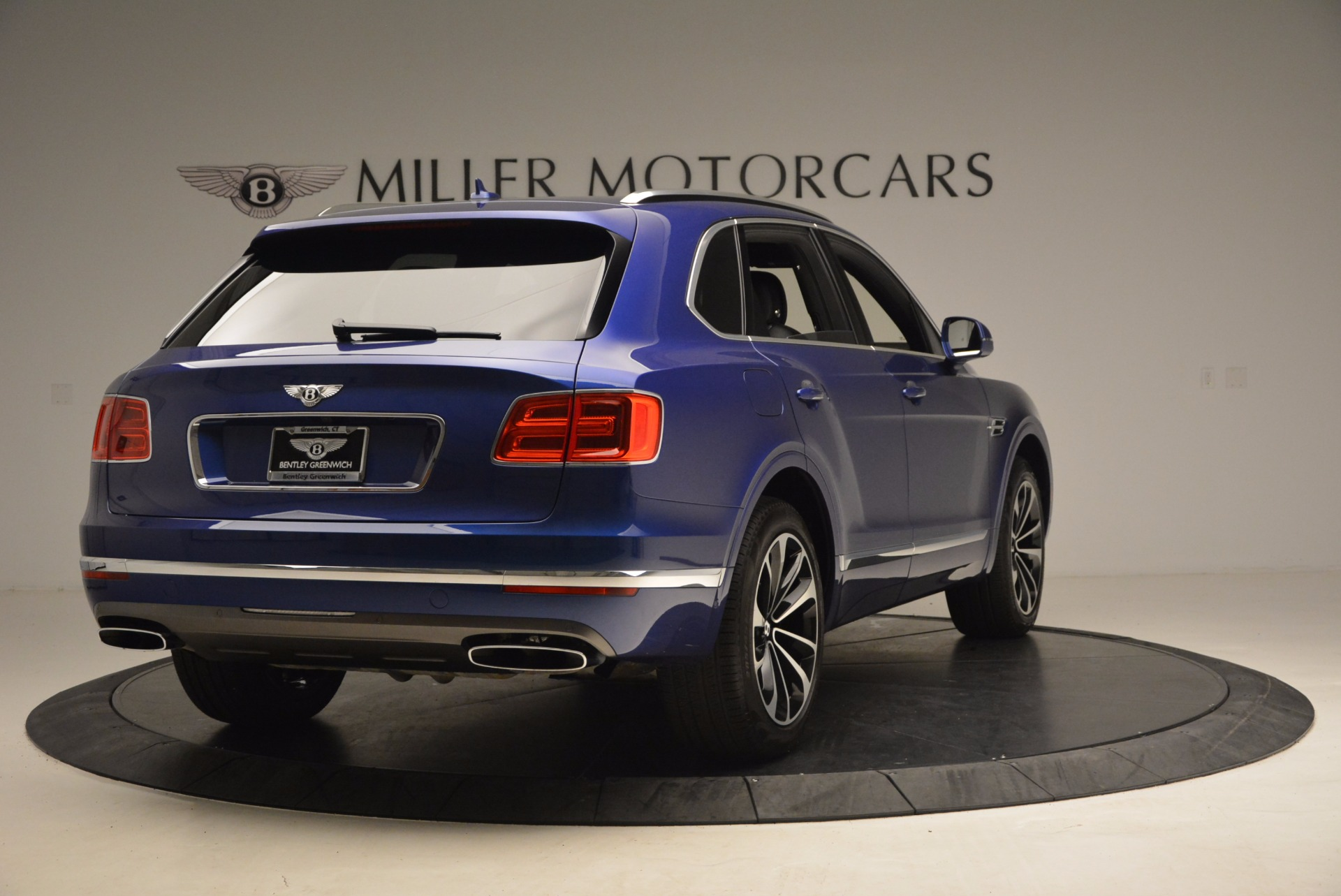 New 2017 Bentley Bentayga  For Sale In Greenwich, CT 1198_p7