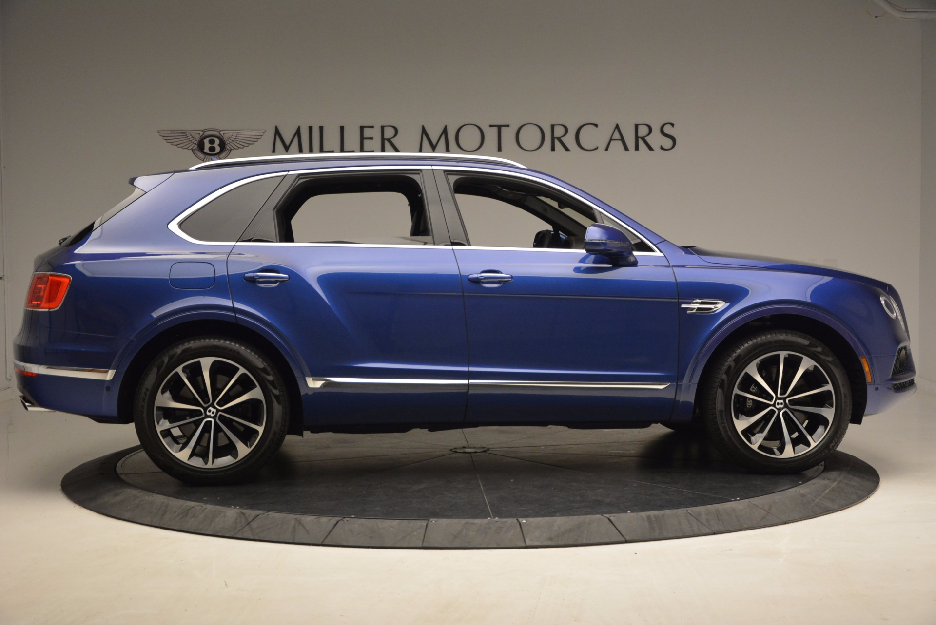New 2017 Bentley Bentayga  For Sale In Greenwich, CT 1198_p9