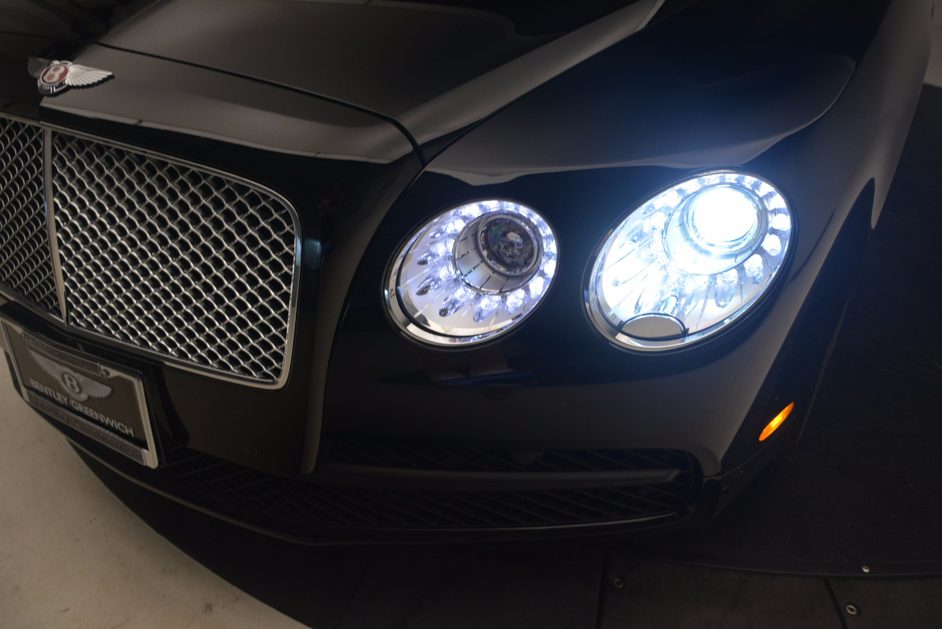Used 2015 Bentley Flying Spur V8 For Sale In Greenwich, CT 1199_p16