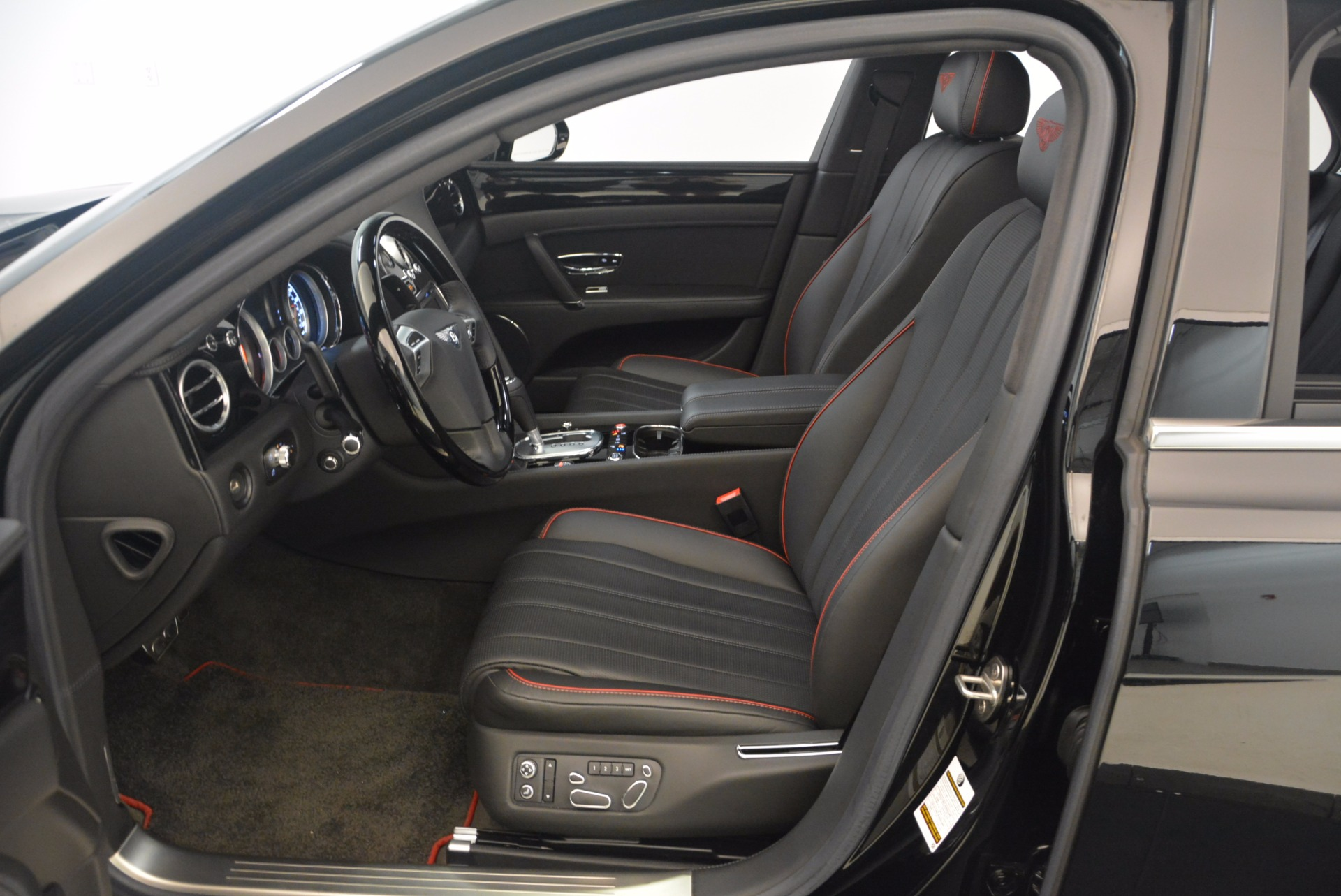 Used 2015 Bentley Flying Spur V8 For Sale In Greenwich, CT 1199_p23