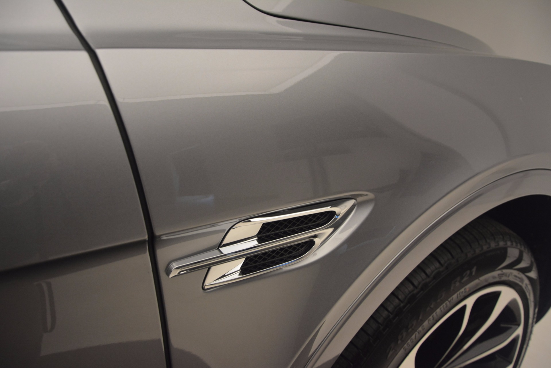 New 2018 Bentley Bentayga Onyx For Sale In Greenwich, CT 1220_p19