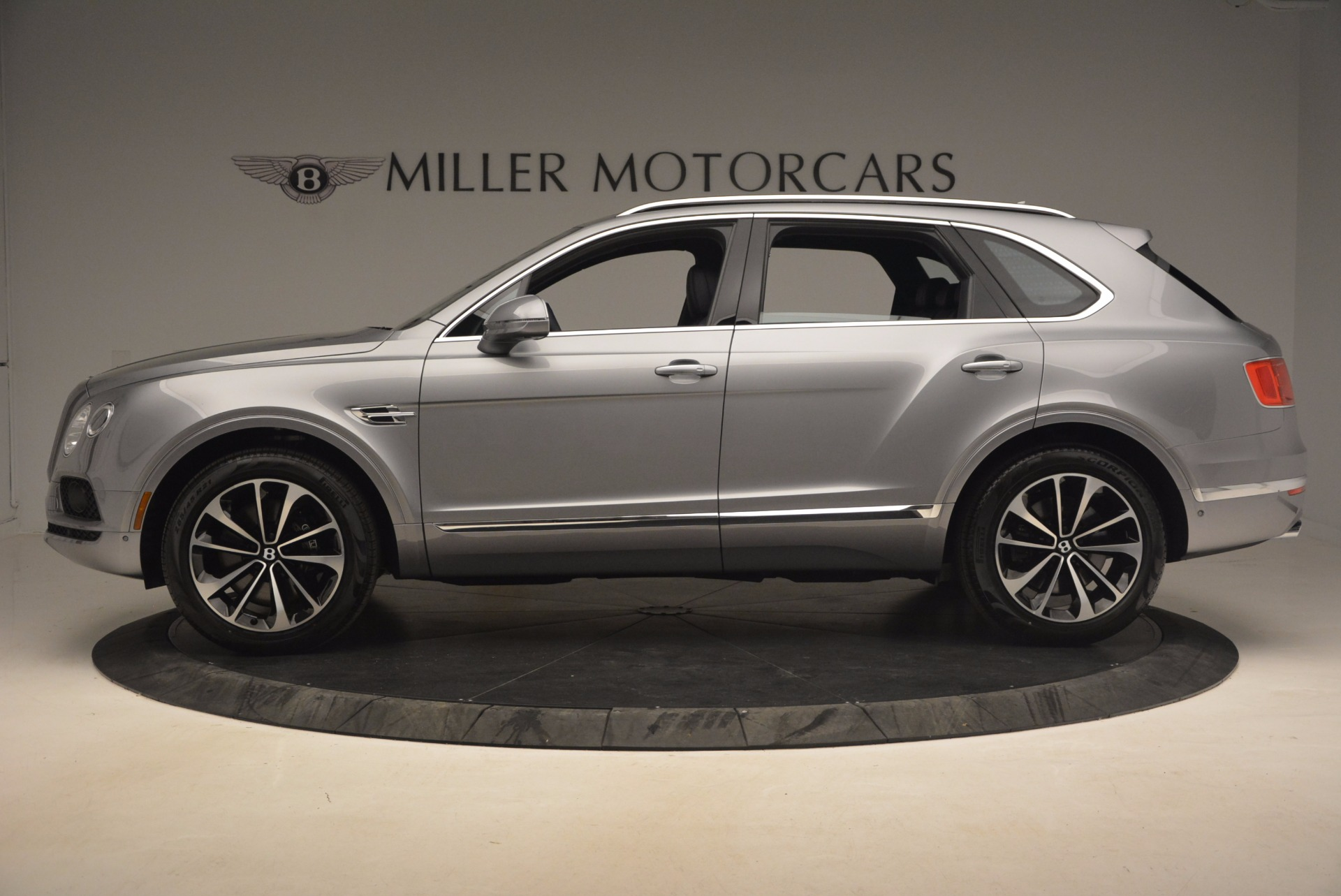 New 2018 Bentley Bentayga Onyx For Sale In Greenwich, CT 1220_p3