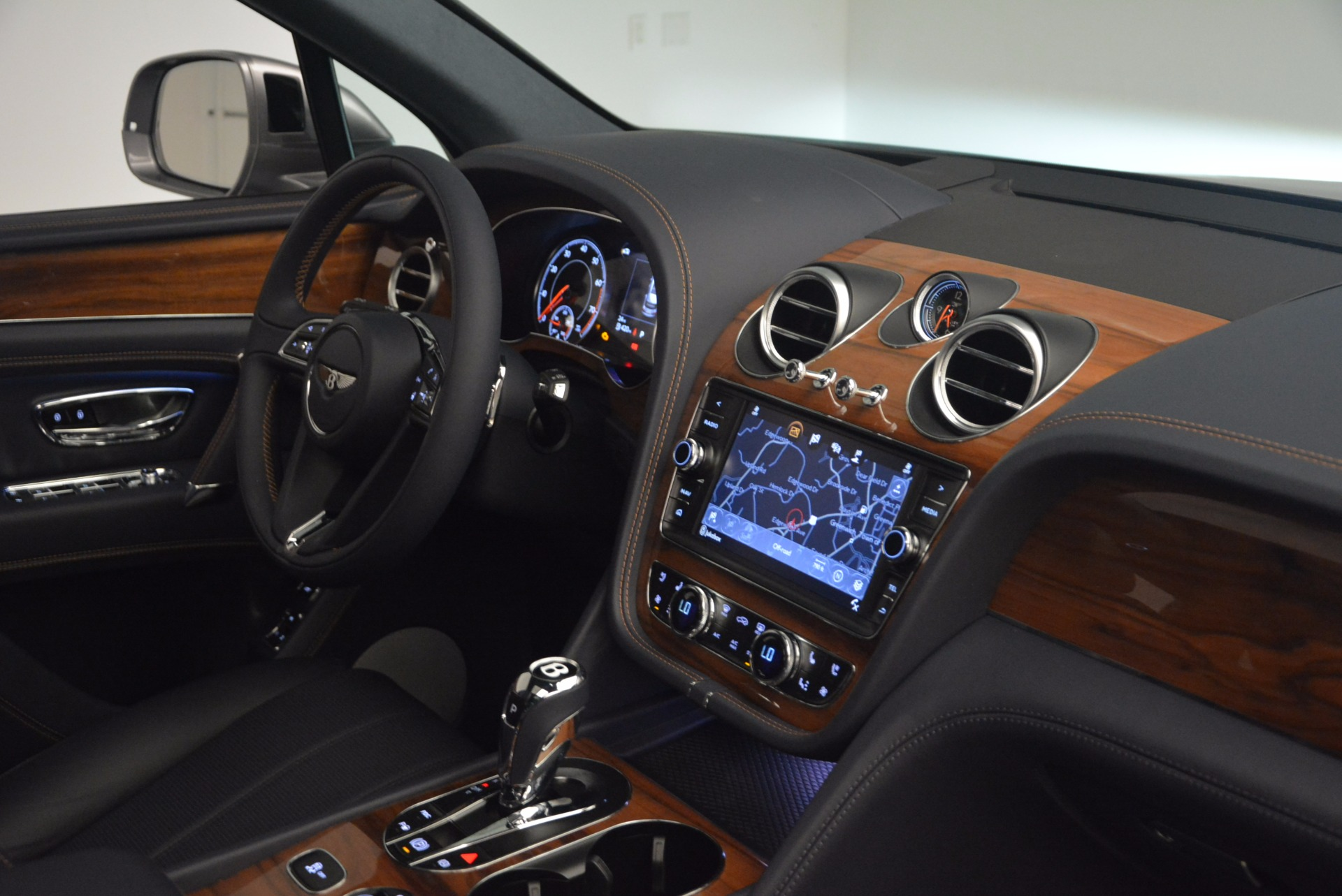 New 2018 Bentley Bentayga Onyx For Sale In Greenwich, CT 1220_p41