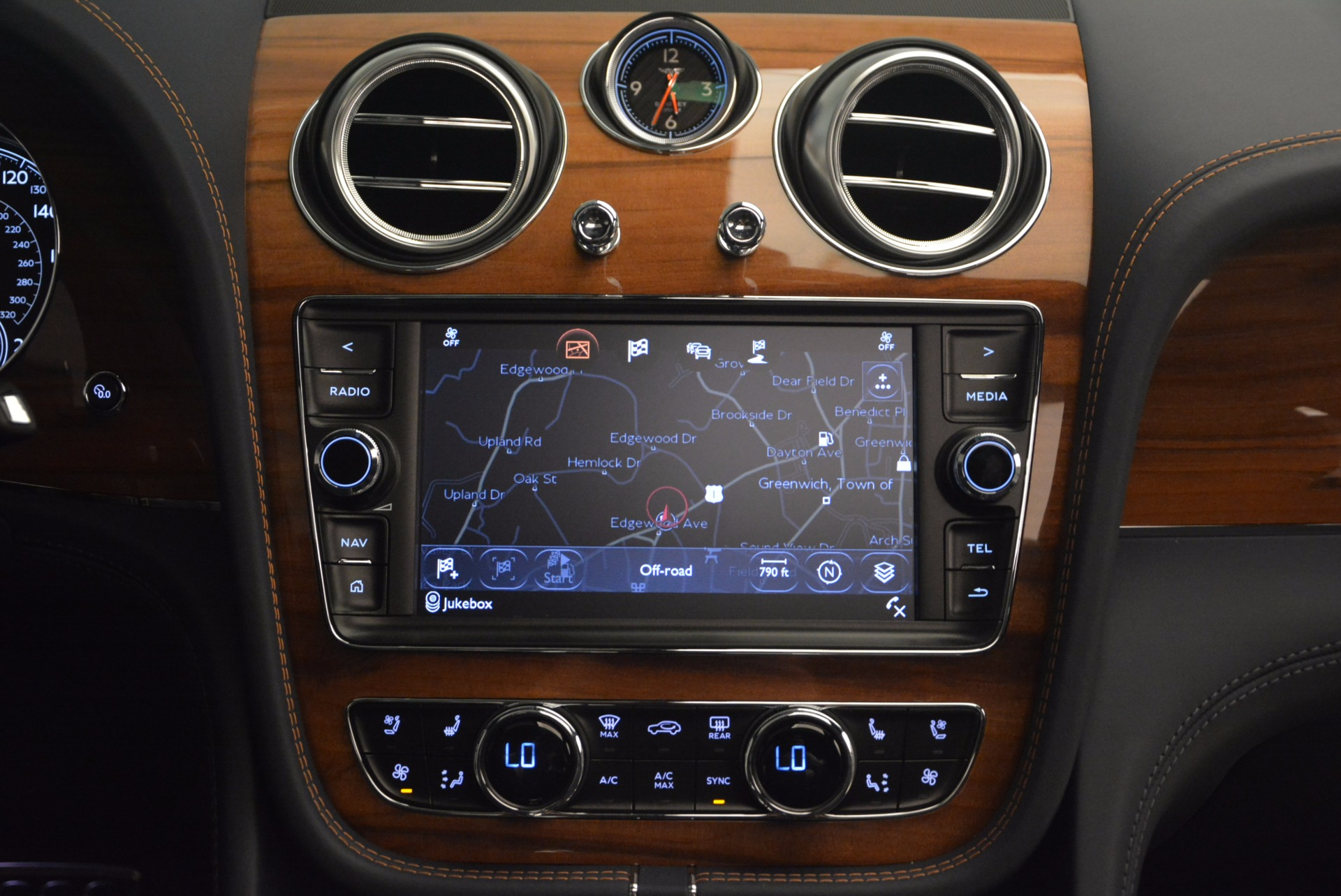 New 2018 Bentley Bentayga Onyx For Sale In Greenwich, CT 1220_p43