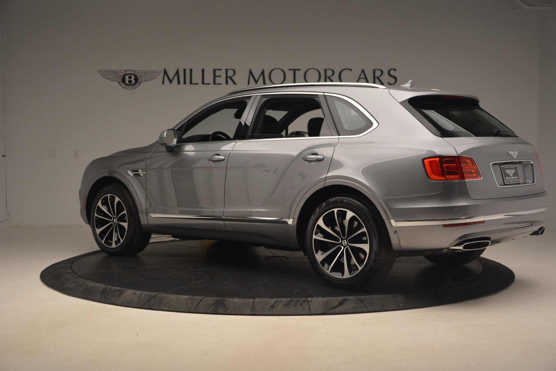 New 2018 Bentley Bentayga Onyx For Sale In Greenwich, CT 1220_p4