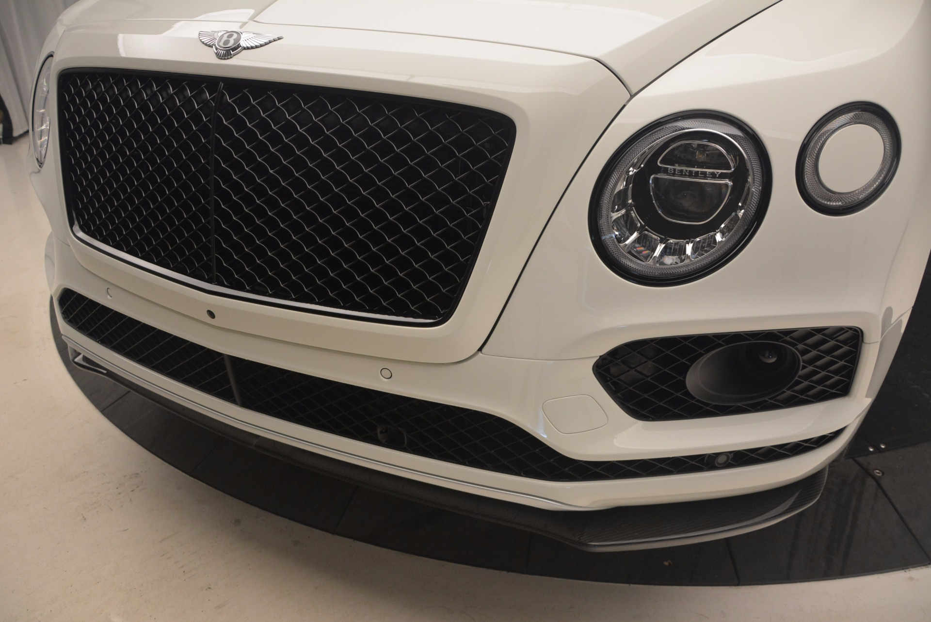 New 2018 Bentley Bentayga Black Edition For Sale In Greenwich, CT 1221_p15