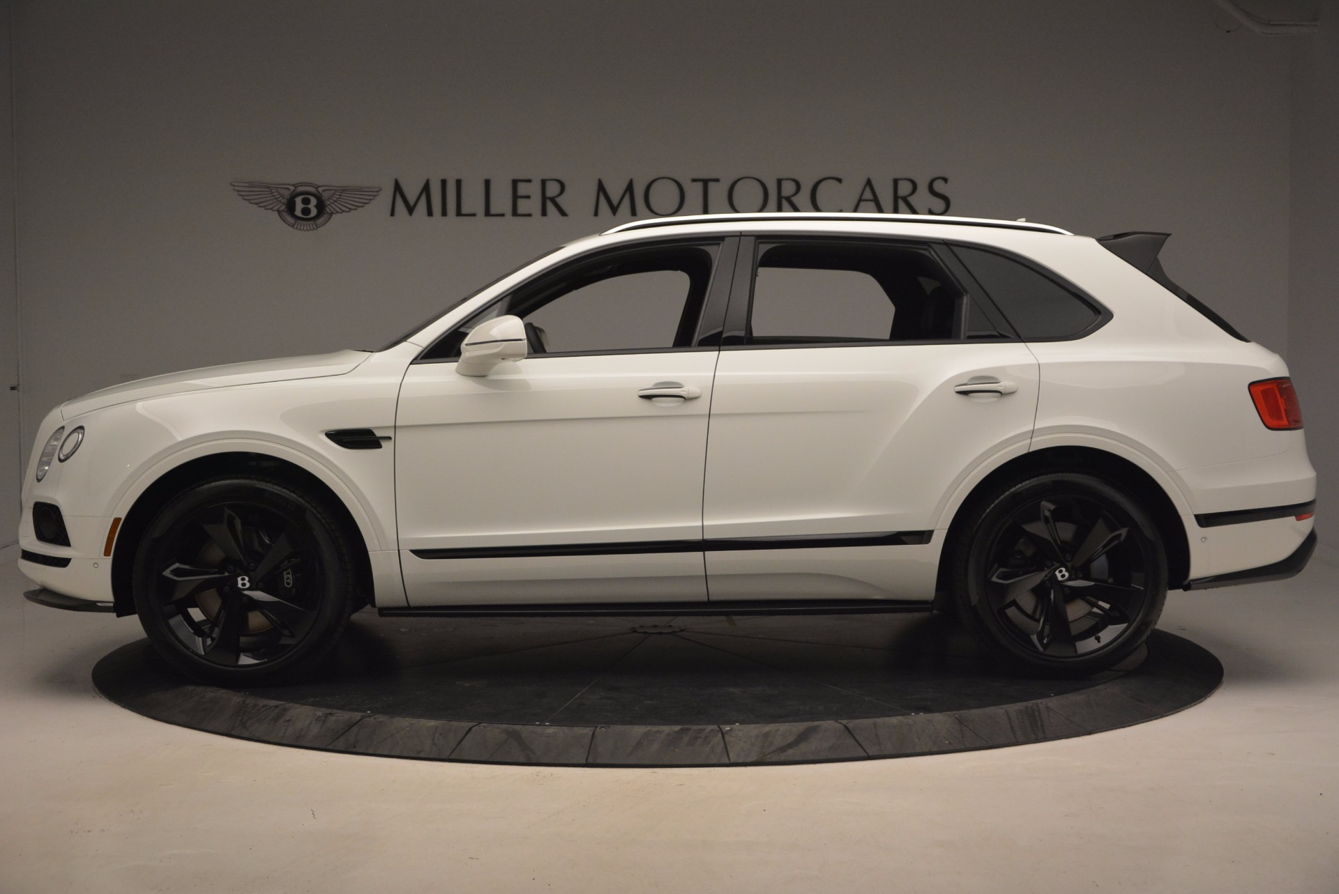 New 2018 Bentley Bentayga Black Edition For Sale In Greenwich, CT 1221_p3