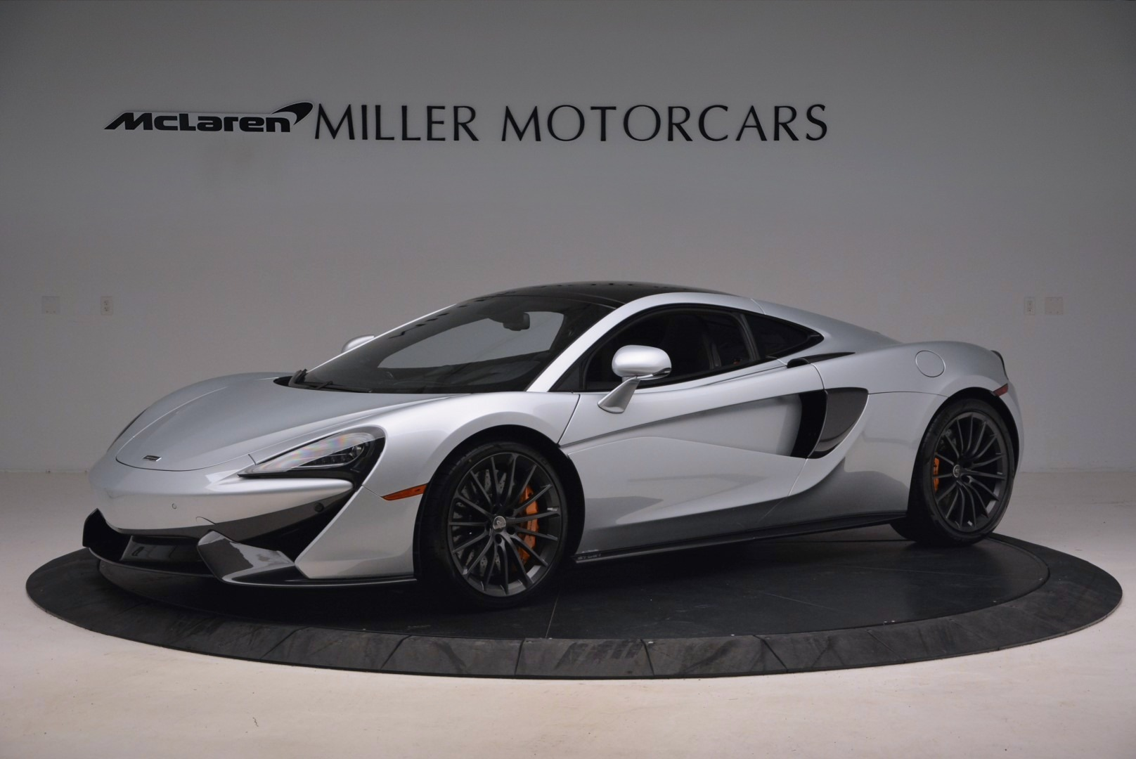 Used 2017 McLaren 570GT  For Sale In Greenwich, CT 1254_p2