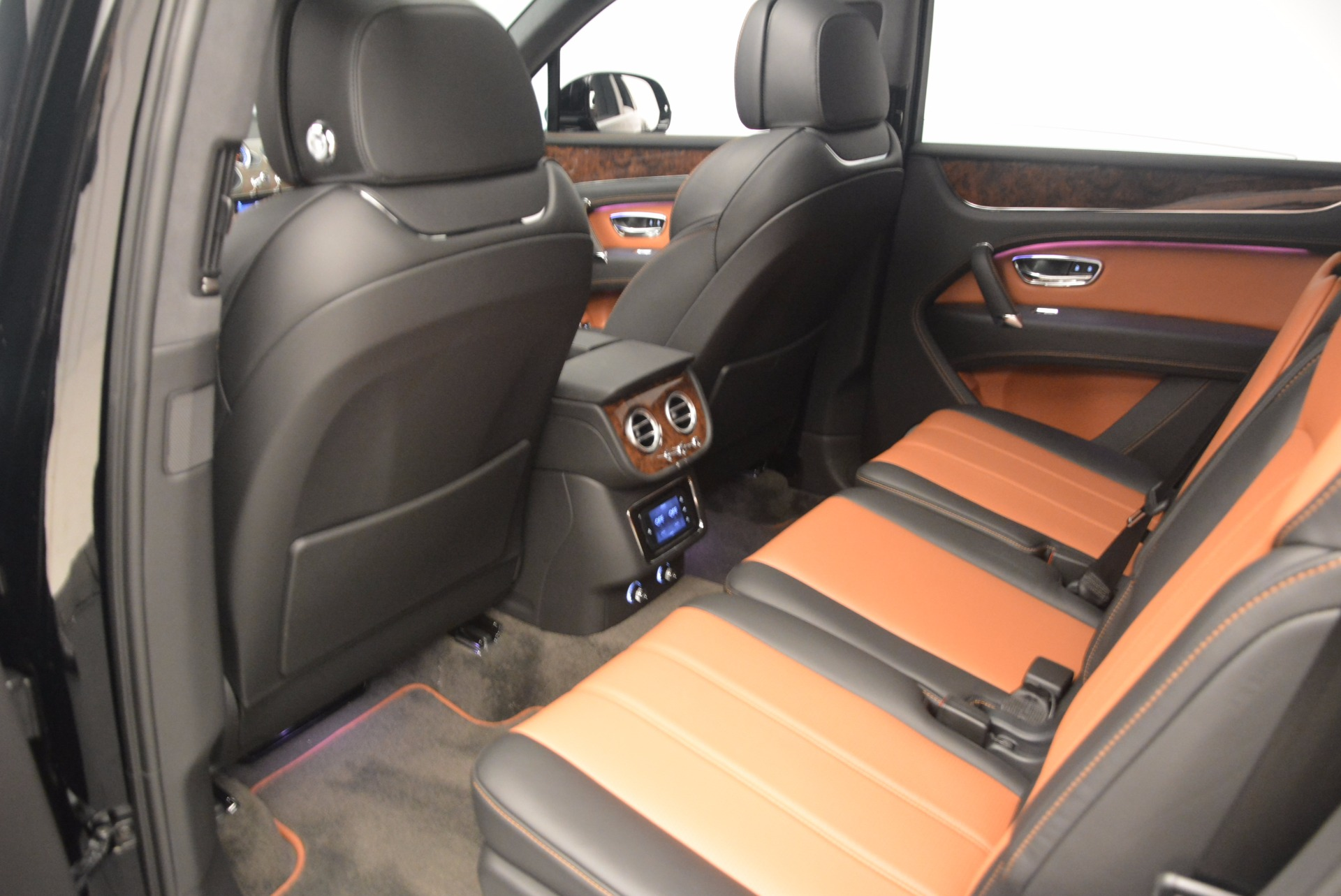 New 2018 Bentley Bentayga Activity Edition-Now with seating for 7!!! For Sale In Greenwich, CT 1255_p29