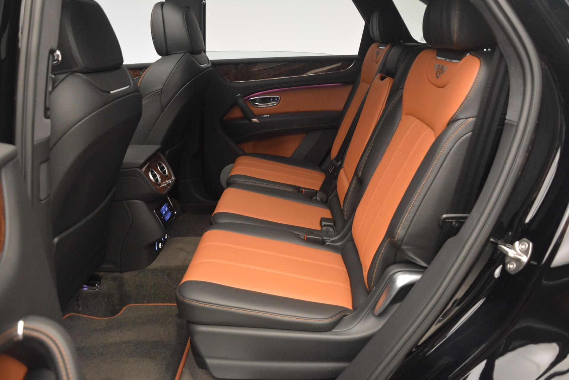 New 2018 Bentley Bentayga Activity Edition-Now with seating for 7!!! For Sale In Greenwich, CT 1255_p30