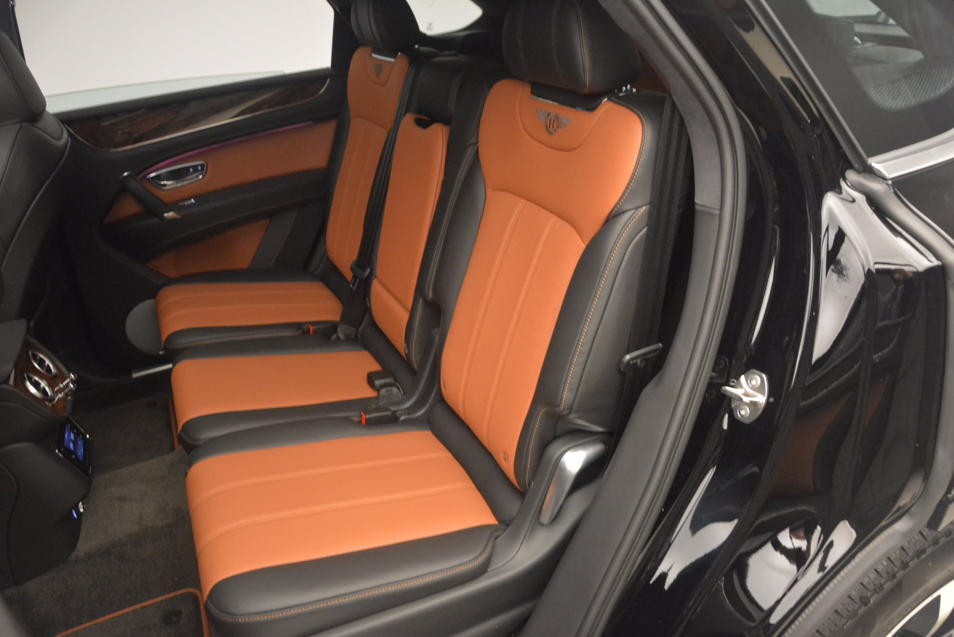 New 2018 Bentley Bentayga Activity Edition-Now with seating for 7!!! For Sale In Greenwich, CT 1255_p31