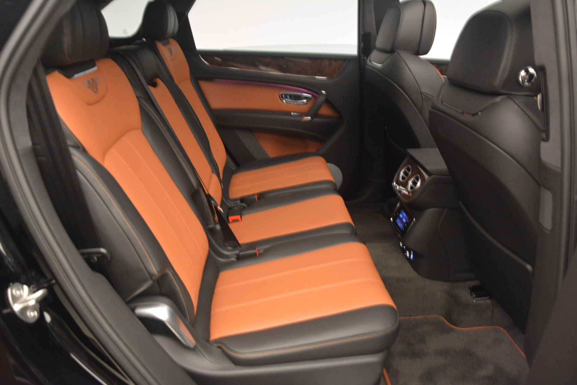 New 2018 Bentley Bentayga Activity Edition-Now with seating for 7!!! For Sale In Greenwich, CT 1255_p46