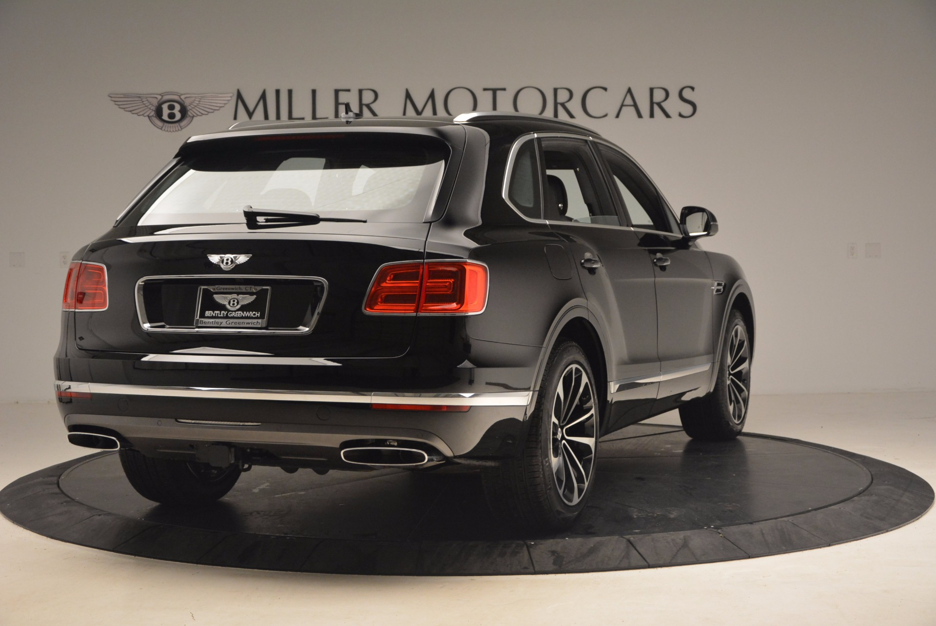 New 2018 Bentley Bentayga Activity Edition-Now with seating for 7!!! For Sale In Greenwich, CT 1255_p7