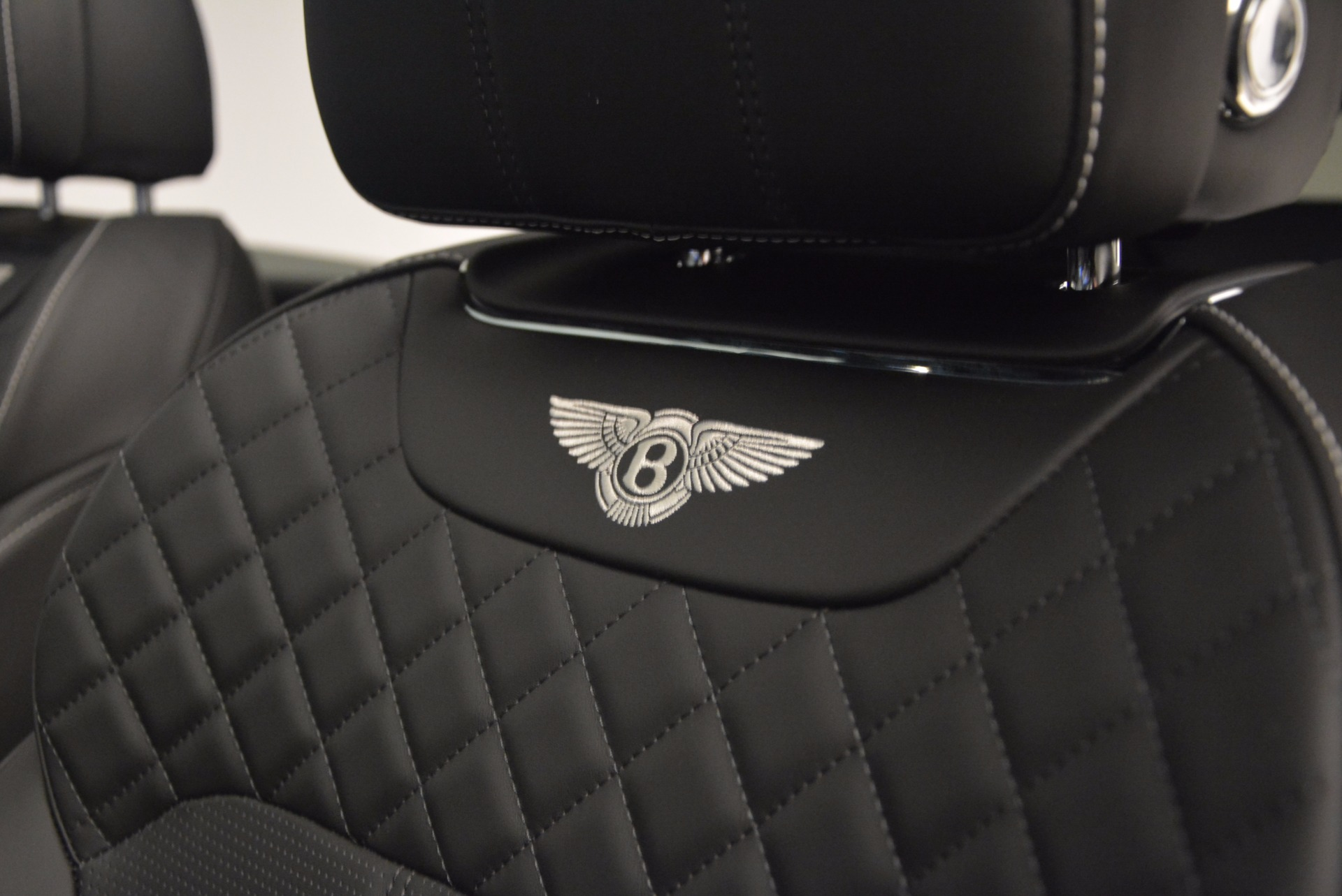 New 2018 Bentley Bentayga Black Edition For Sale In Greenwich, CT 1260_p31