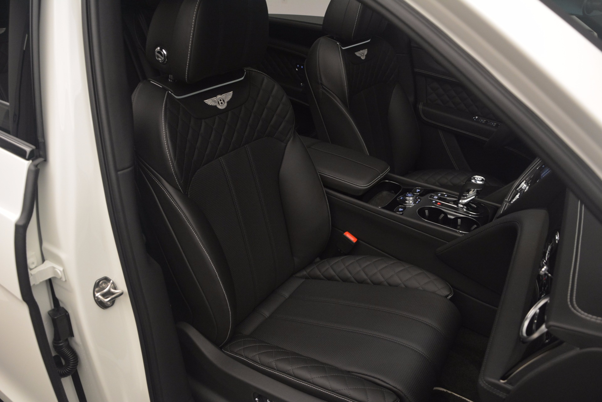 New 2018 Bentley Bentayga Black Edition For Sale In Greenwich, CT 1260_p42