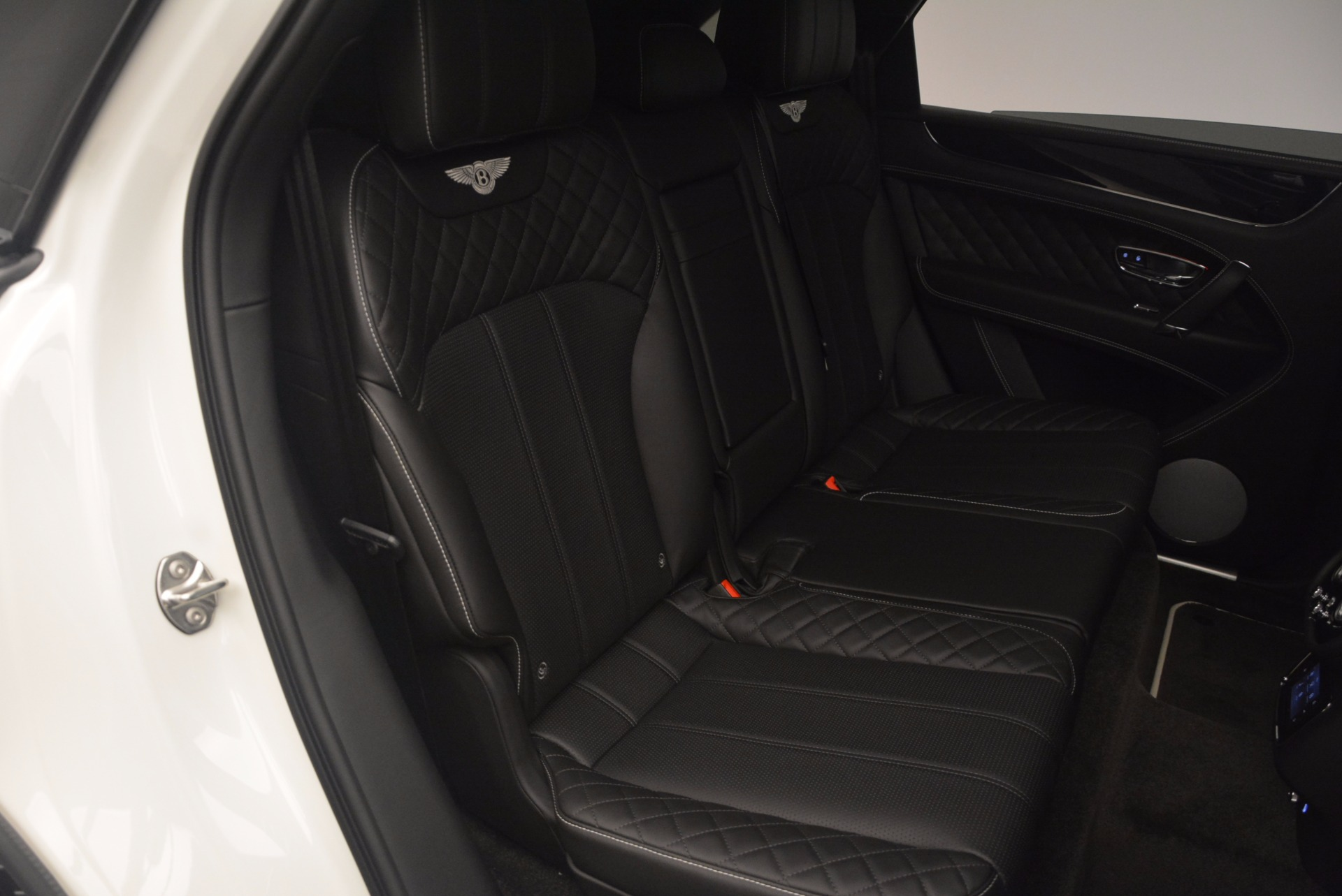 New 2018 Bentley Bentayga Black Edition For Sale In Greenwich, CT 1260_p47