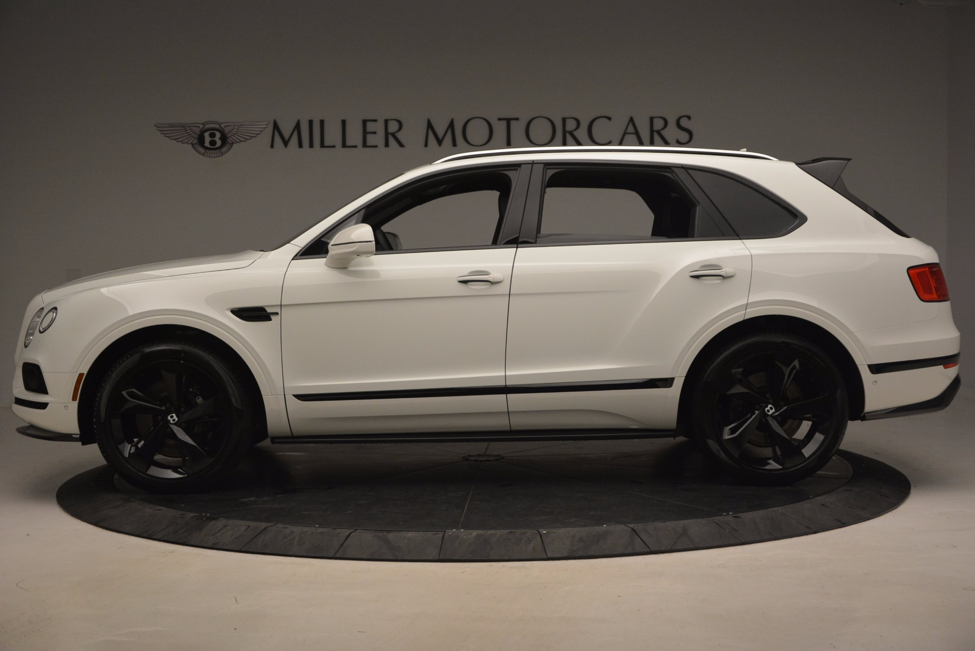 New 2018 Bentley Bentayga Black Edition For Sale In Greenwich, CT 1260_p4