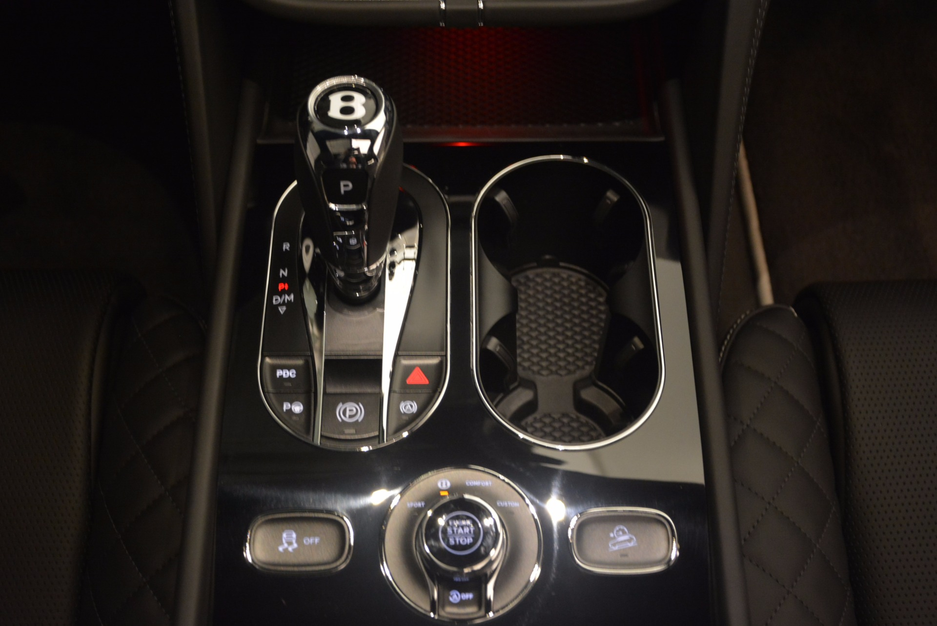New 2018 Bentley Bentayga Black Edition For Sale In Greenwich, CT 1260_p51