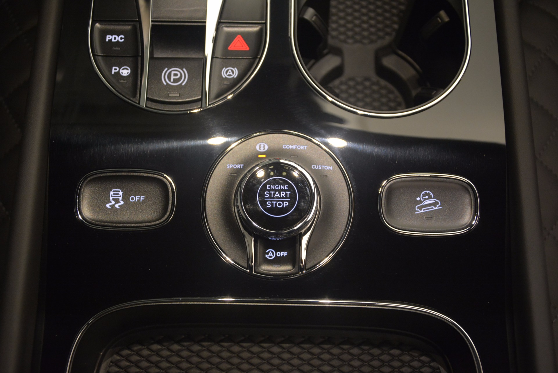 New 2018 Bentley Bentayga Black Edition For Sale In Greenwich, CT 1260_p53