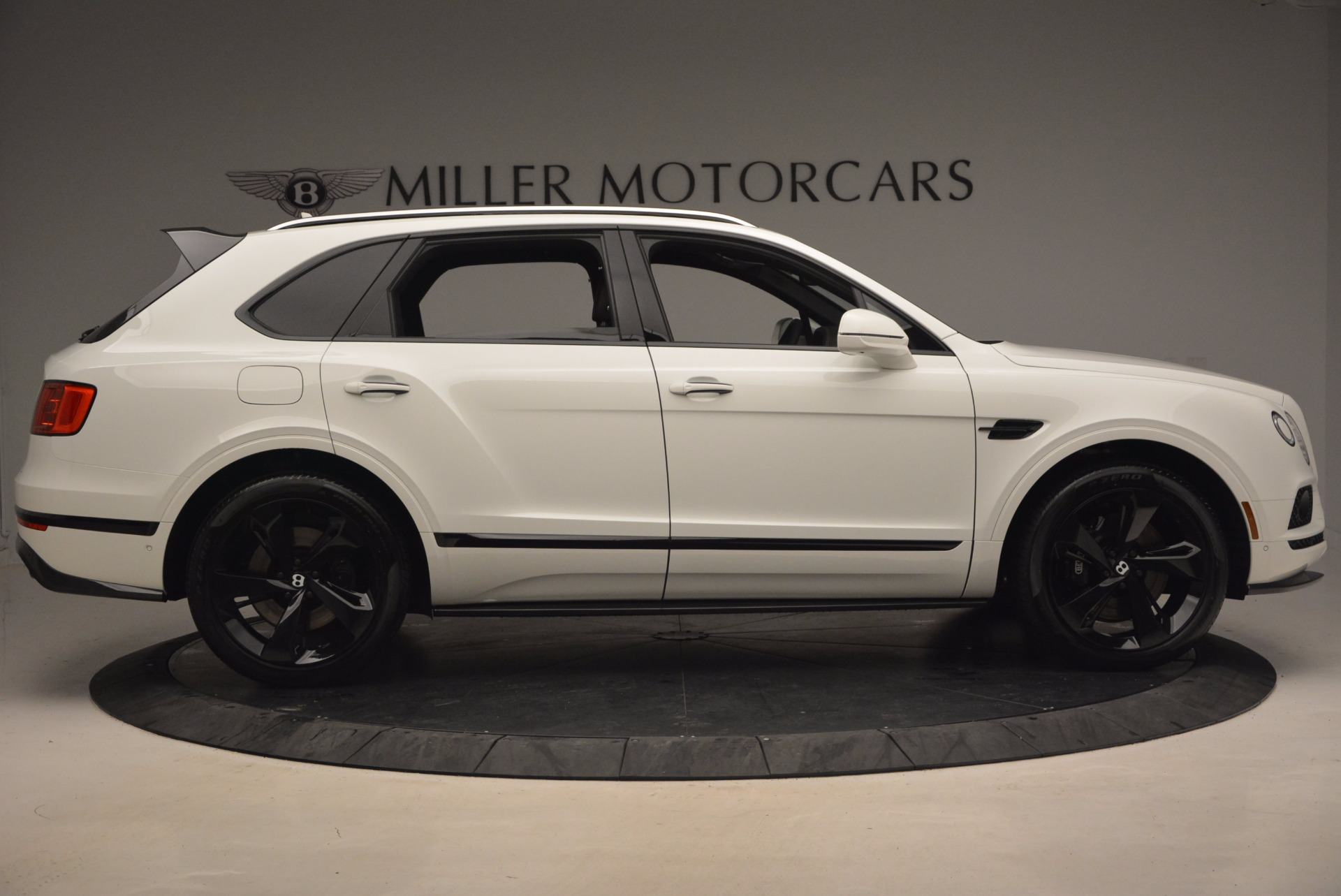 New 2018 Bentley Bentayga Black Edition For Sale In Greenwich, CT 1260_p9