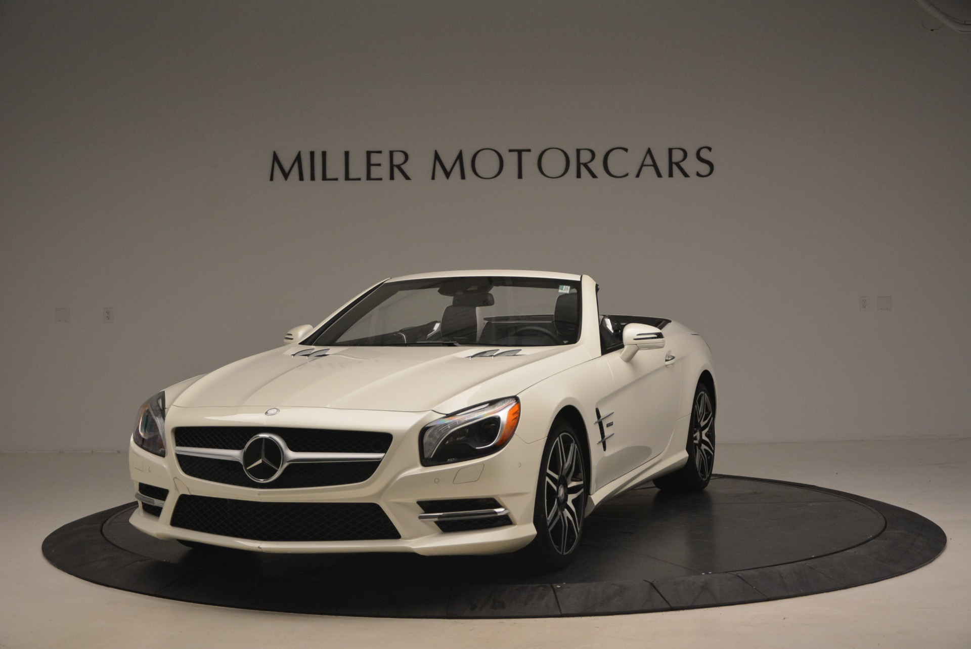 Used 2015 Mercedes Benz SL-Class SL 550 For Sale In Greenwich, CT 1261_main
