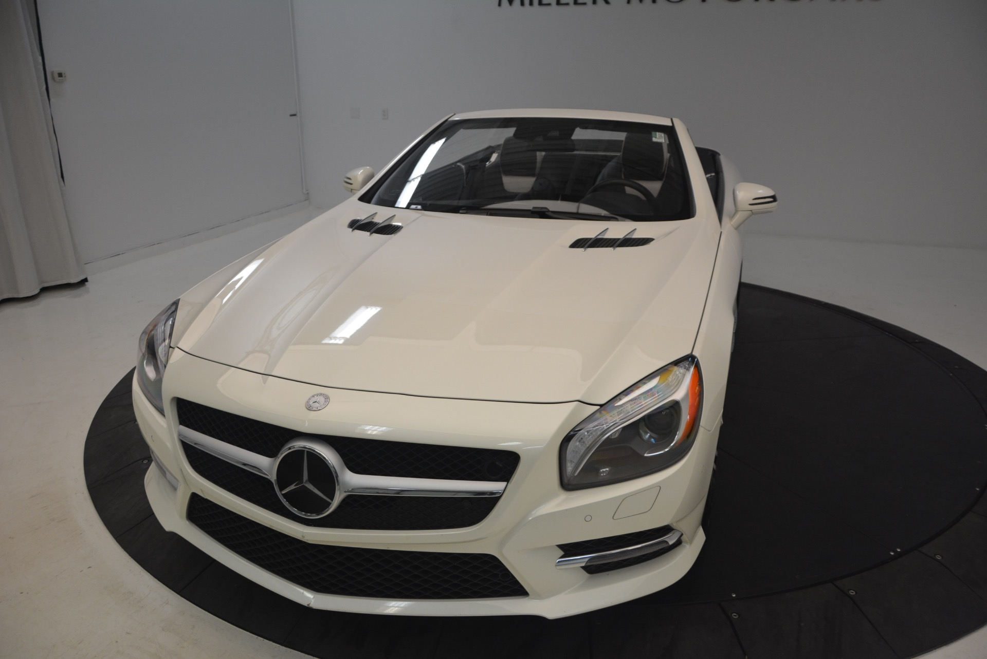 Used 2015 Mercedes Benz SL-Class SL 550 For Sale In Greenwich, CT 1261_p26