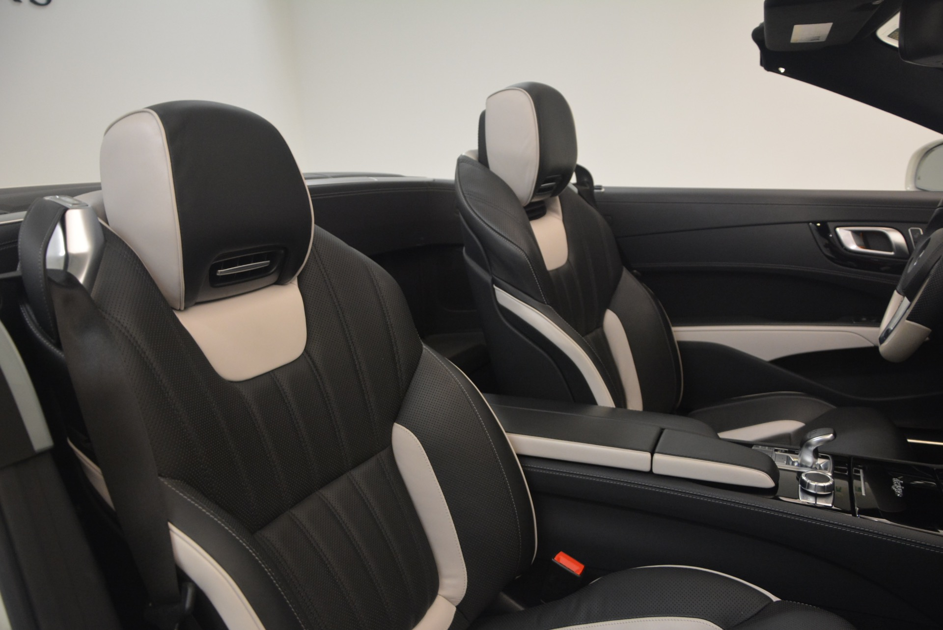 Used 2015 Mercedes Benz SL-Class SL 550 For Sale In Greenwich, CT 1261_p44