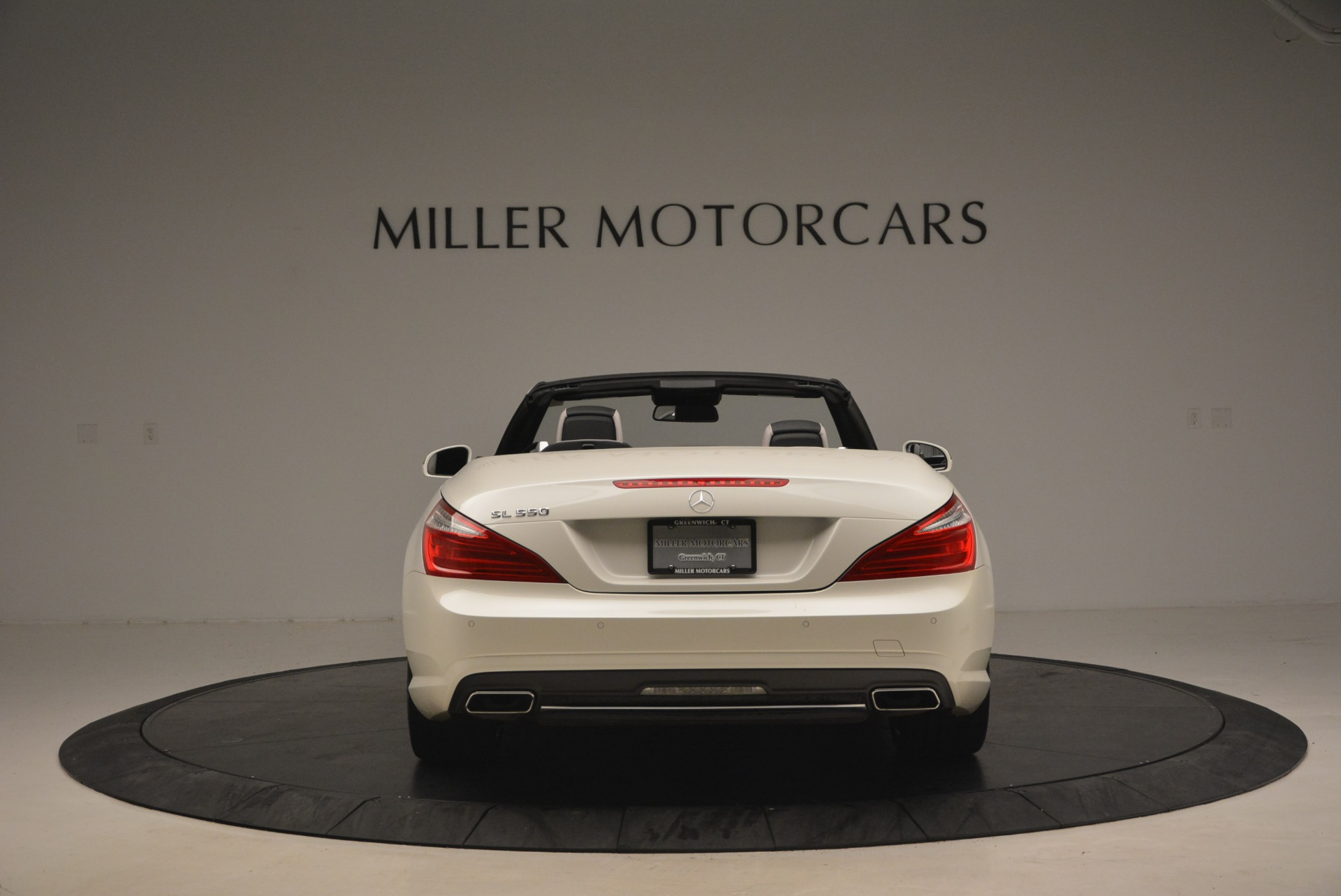 Used 2015 Mercedes Benz SL-Class SL 550 For Sale In Greenwich, CT 1261_p6