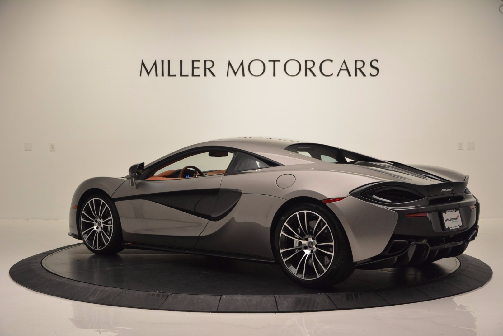 Used 2016 McLaren 570S  For Sale In Greenwich, CT 1267_p4