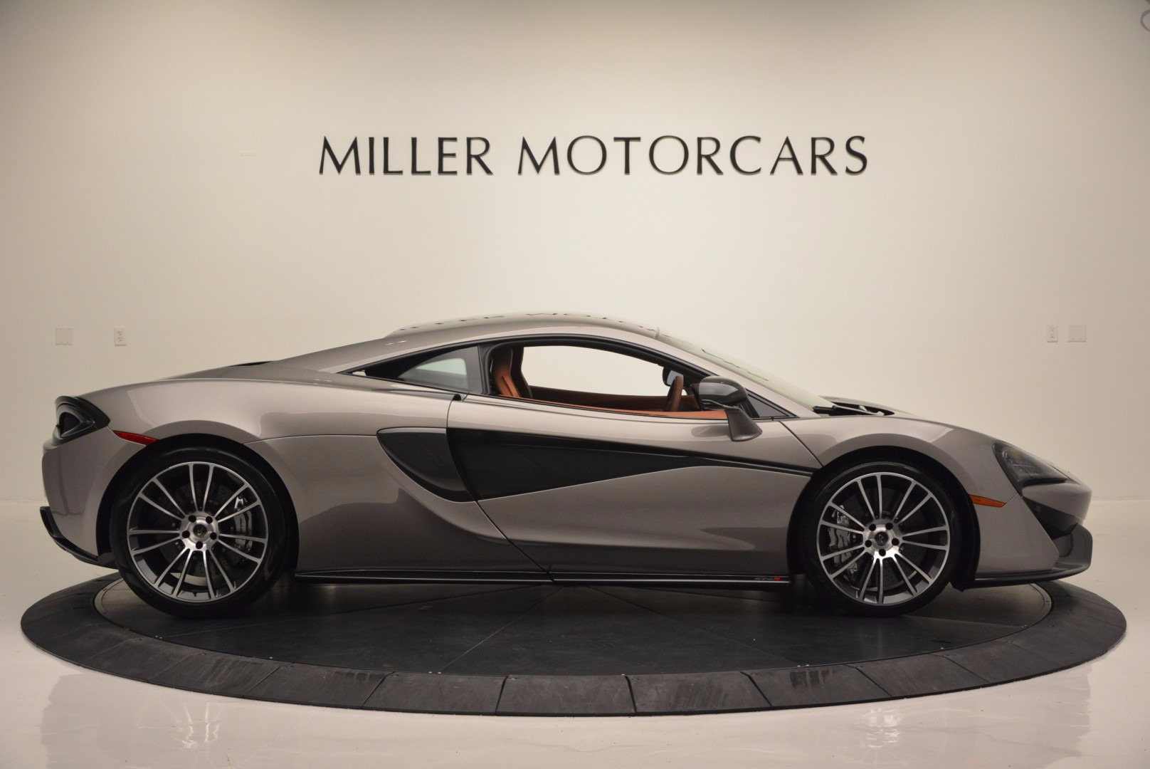 Used 2016 McLaren 570S  For Sale In Greenwich, CT 1267_p9