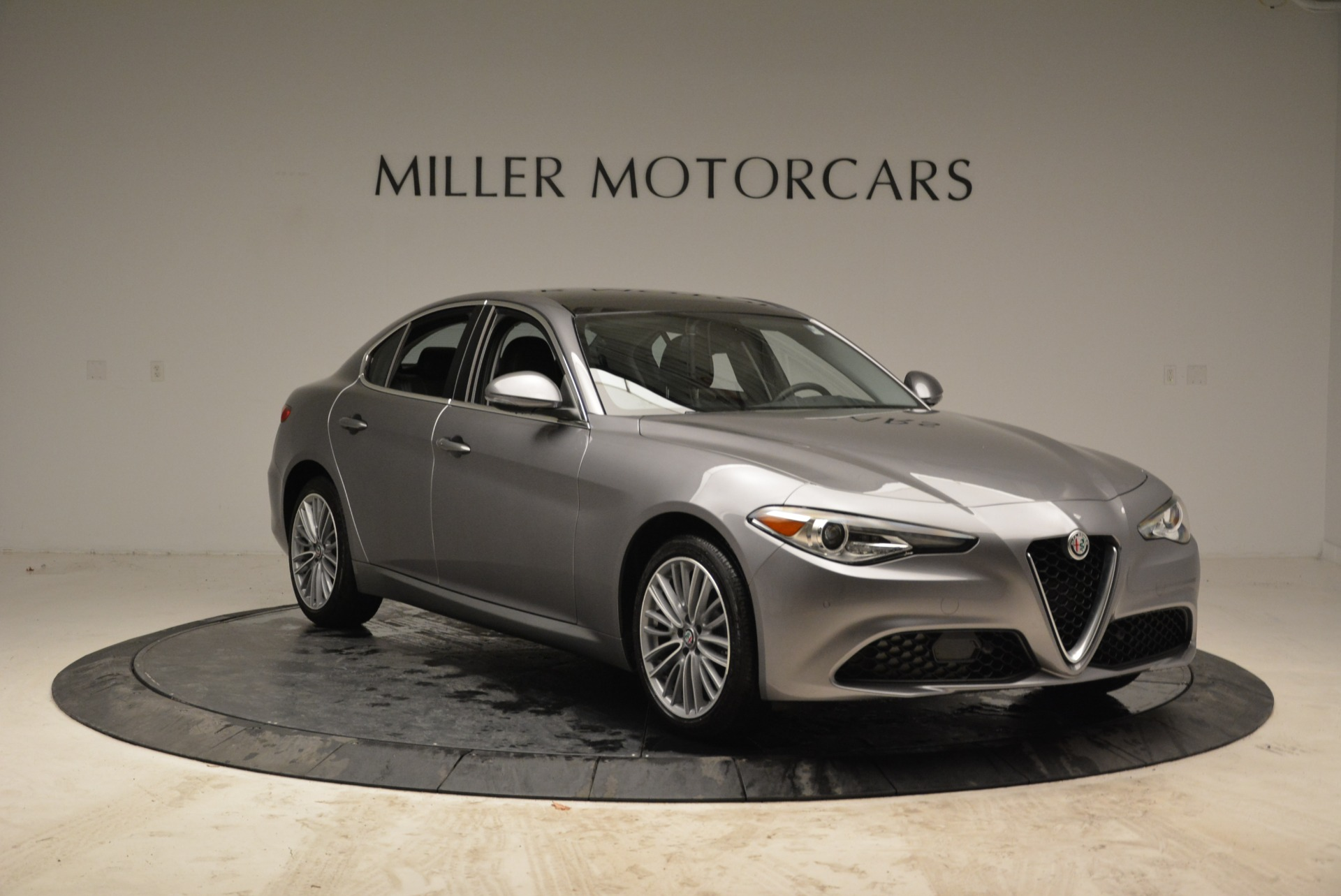 New 2017 Alfa Romeo Giulia Ti Lusso Q4 For Sale In Greenwich, CT 1270_p11