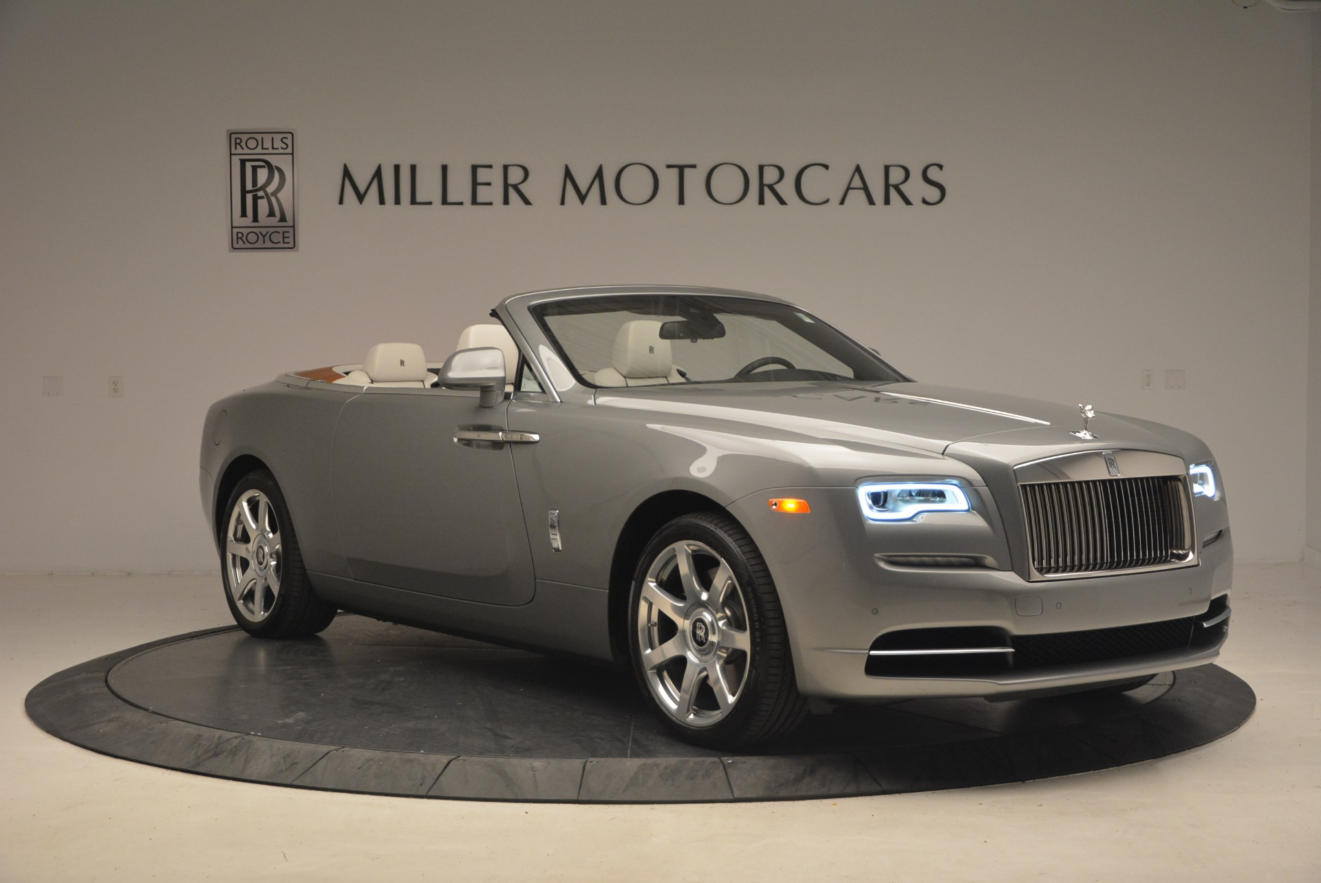 Used 2016 Rolls-Royce Dawn  For Sale In Greenwich, CT 1283_p11