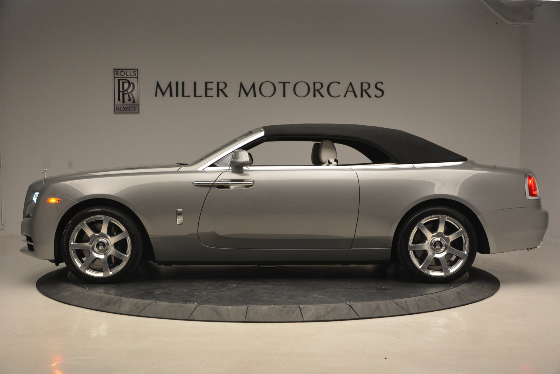 Used 2016 Rolls-Royce Dawn  For Sale In Greenwich, CT 1283_p16